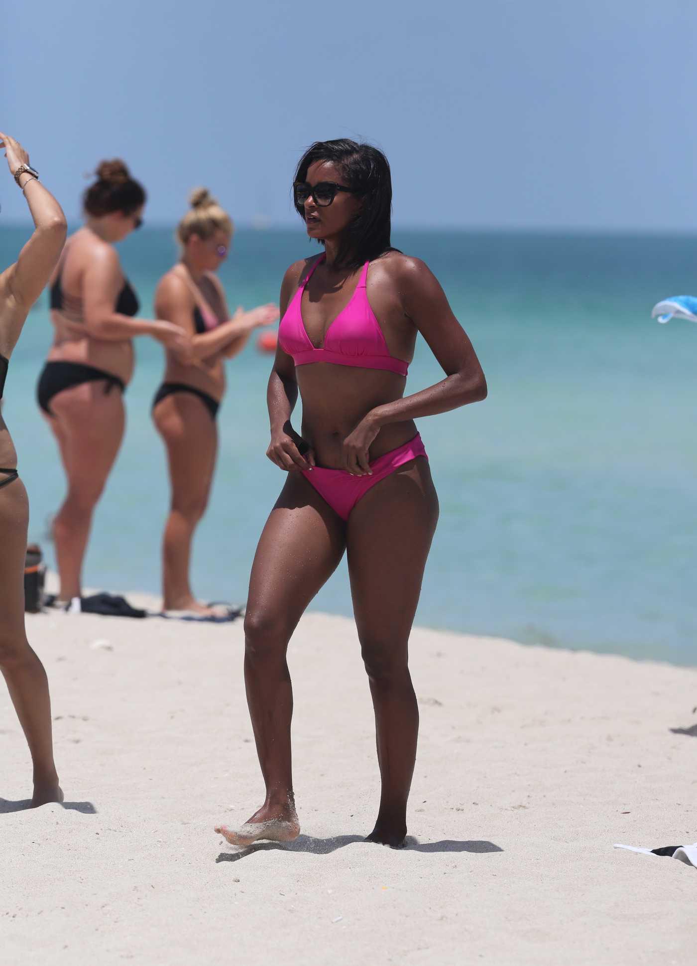 Claudia Jordan in a Pink Bikini at the Beach in Miami 07/29/2016