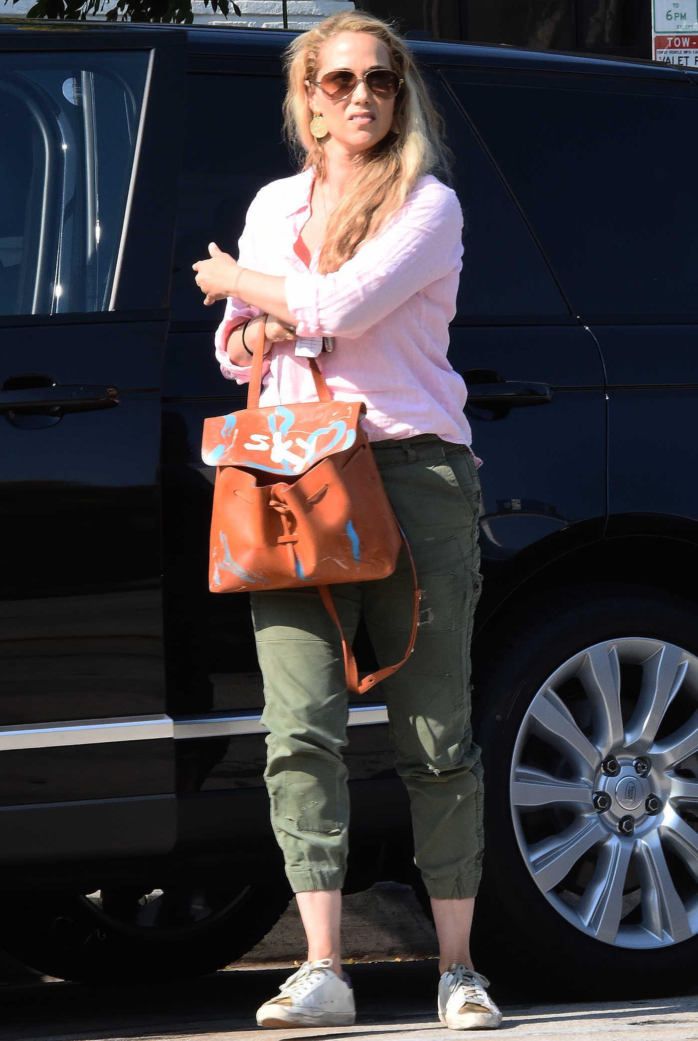 Elizabeth Berkley Goes to Benjamin Salon in West Hollywood 07/29/2016