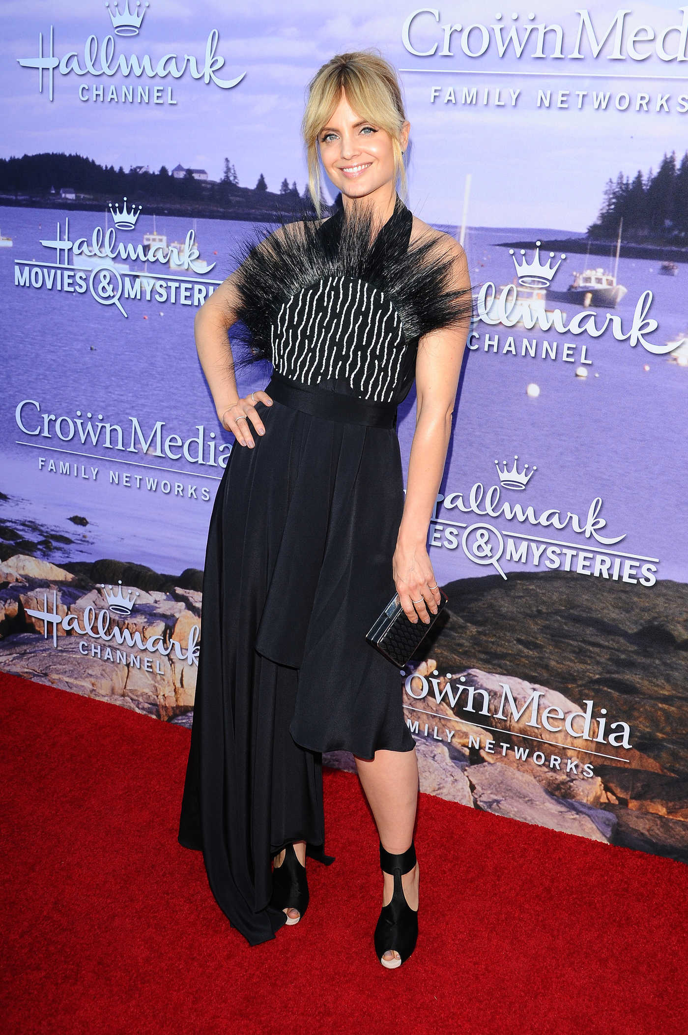 Mena Suvari at the Hallmark Movies and Mysteries Party in Los Angeles 07/27/2016