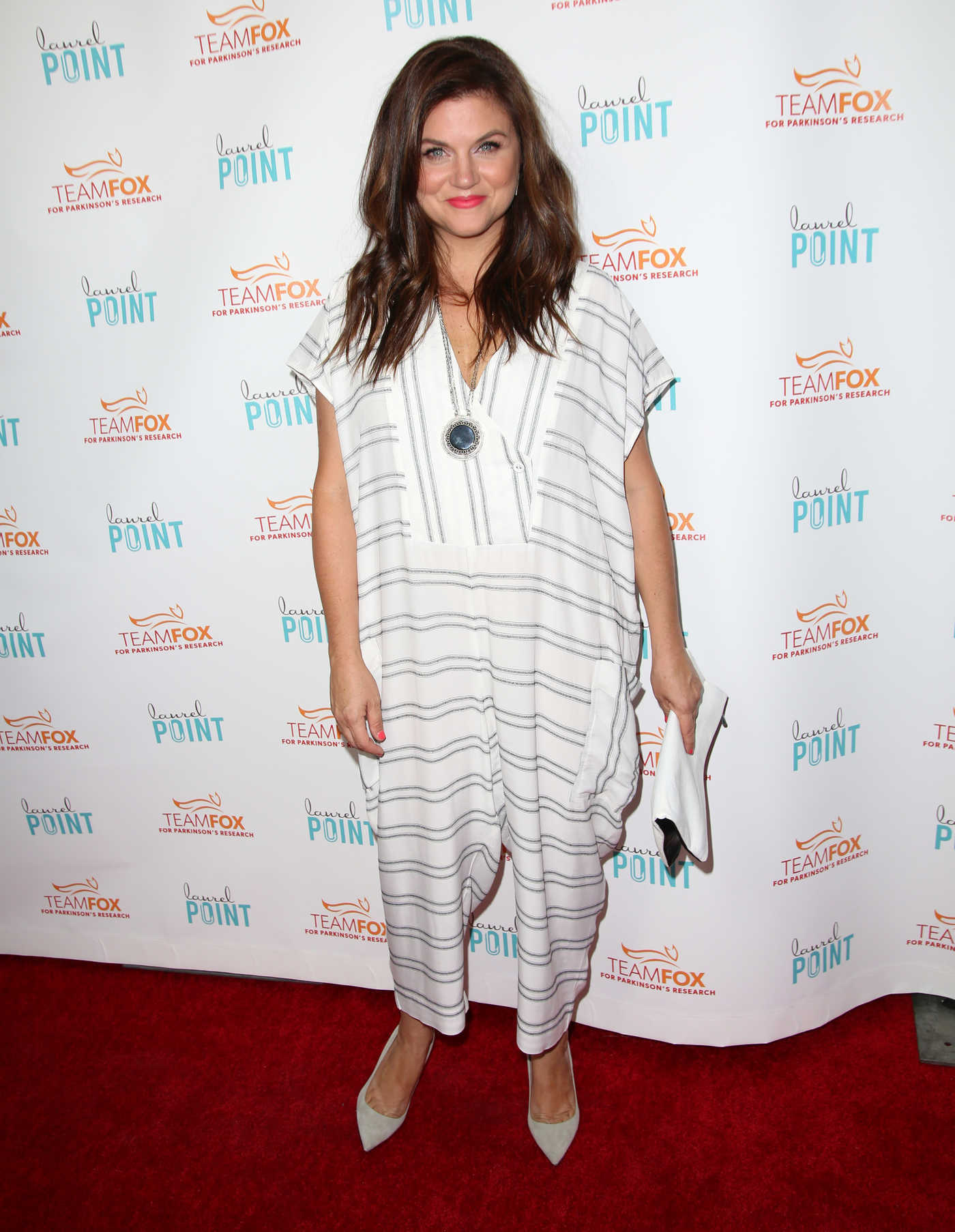 Tiffani Thiessen at the Raising The Bar to End Parkinsons Fundraiser in Los Angeles 07/27/2016
