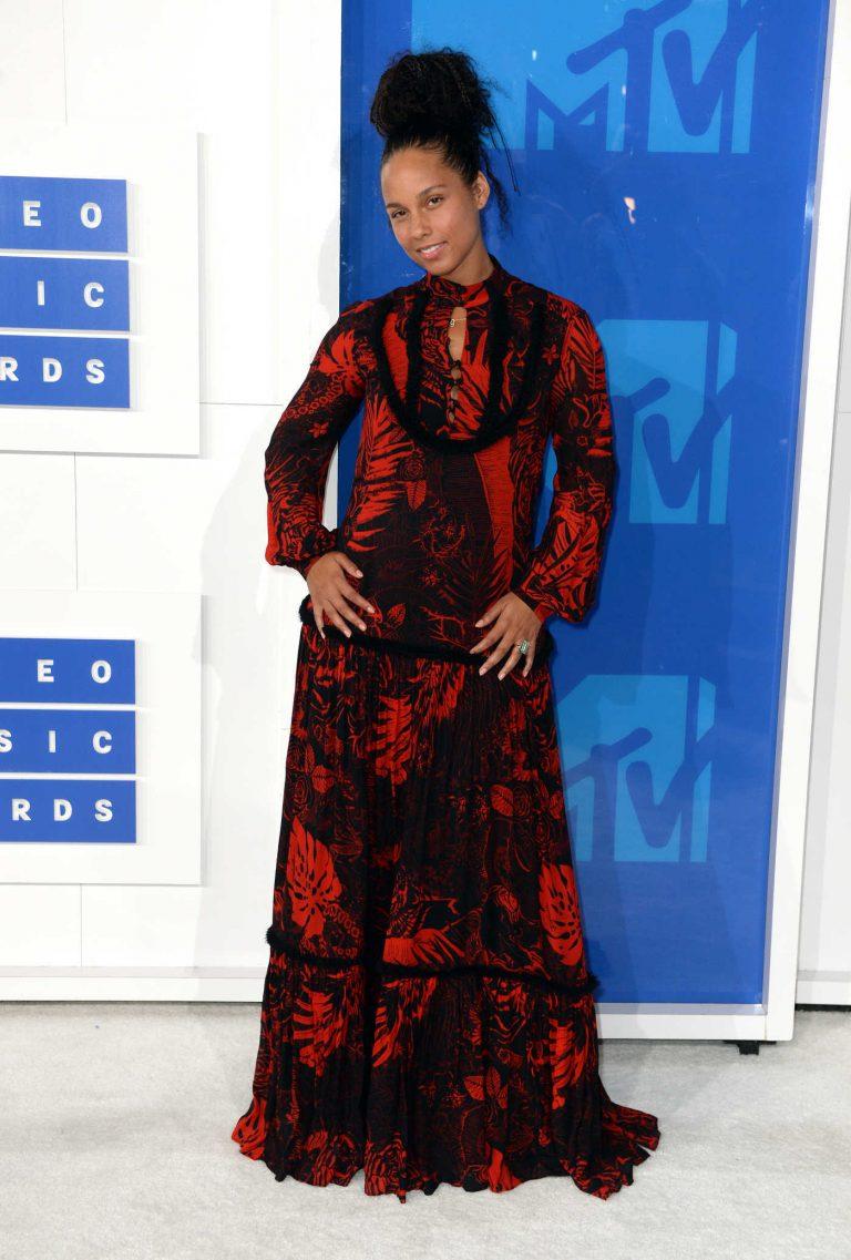 Alicia Keys at 2016 MTV Video Music Awards at Madison Square Garden in New York 08/28/2016-1
