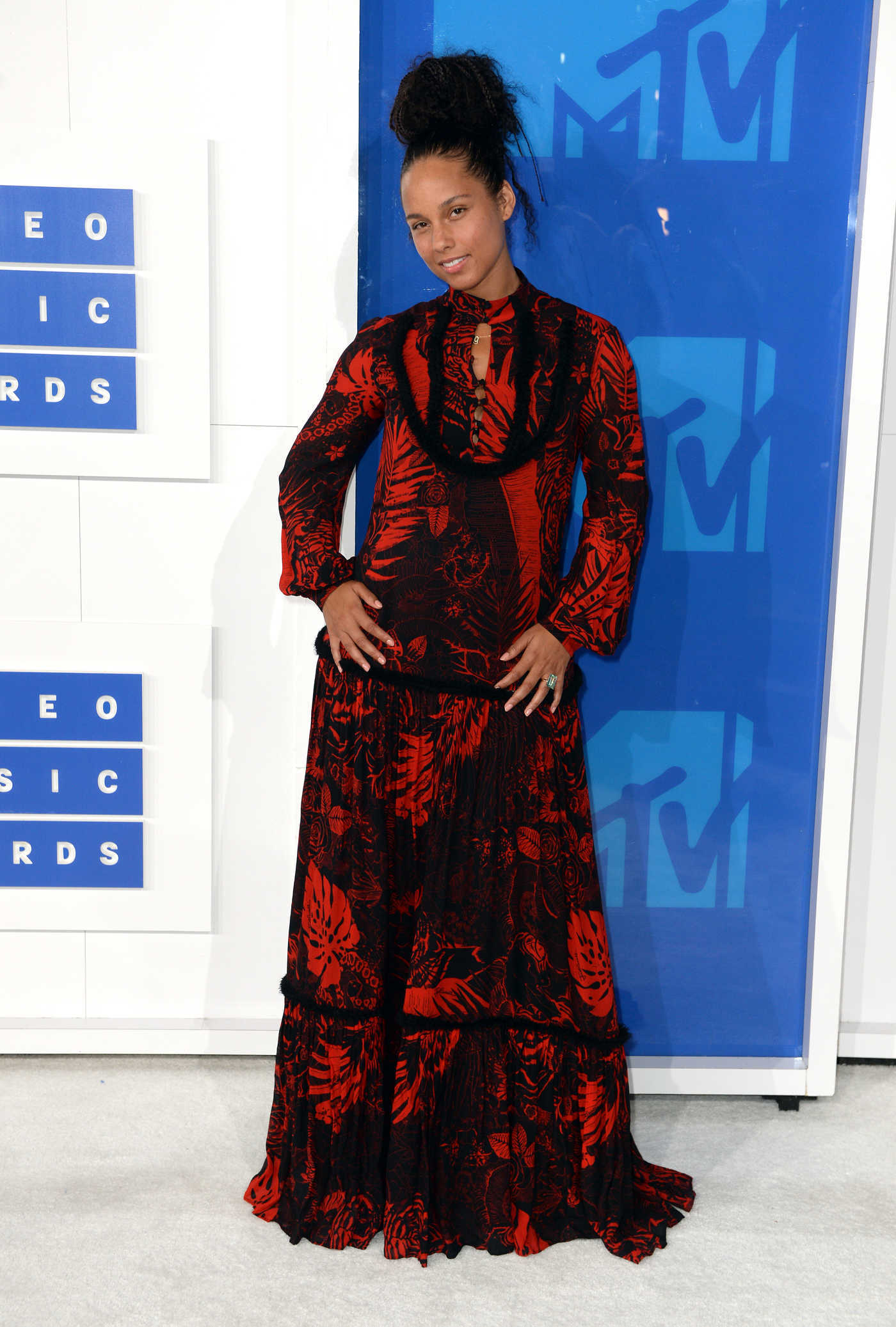 Alicia Keys at 2016 MTV Video Music Awards at Madison Square Garden in New York 08/28/2016