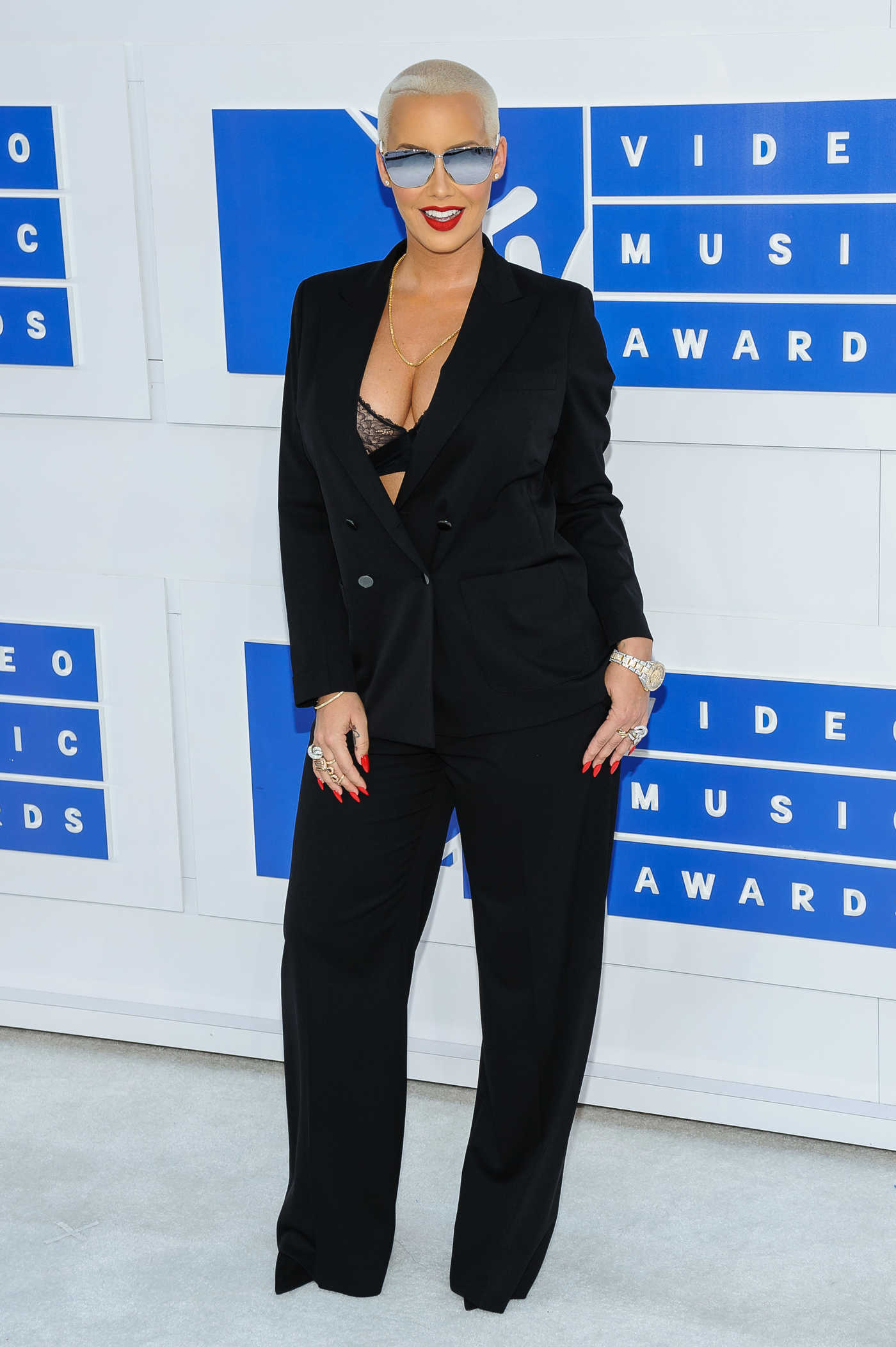 Amber Rose at 2016 MTV Video Music Awards at Madison Square Garden in New York 08/28/2016