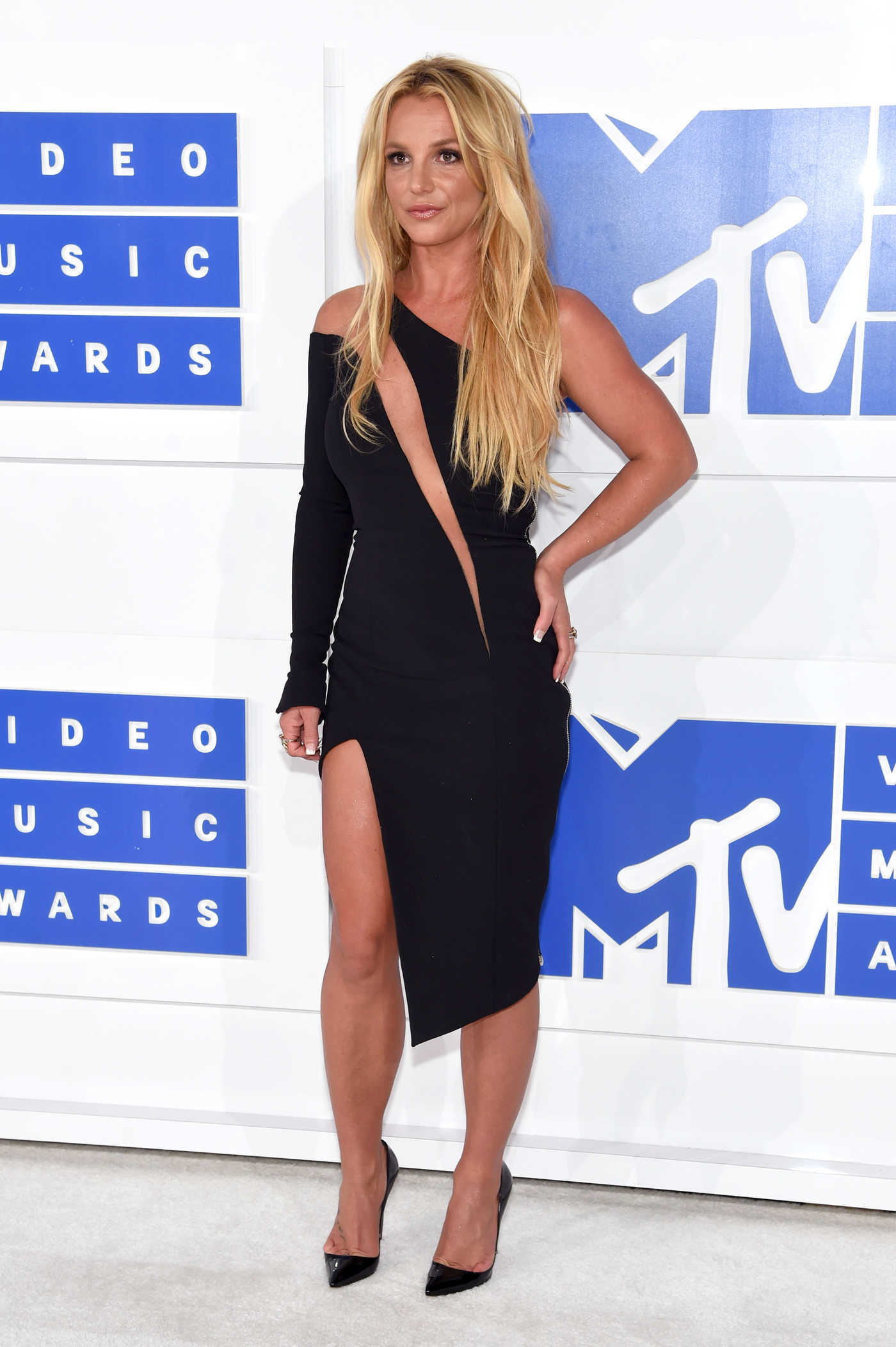 Britney Spears at 2016 MTV Video Music Awards at Madison Square Garden in New York 08/28/2016