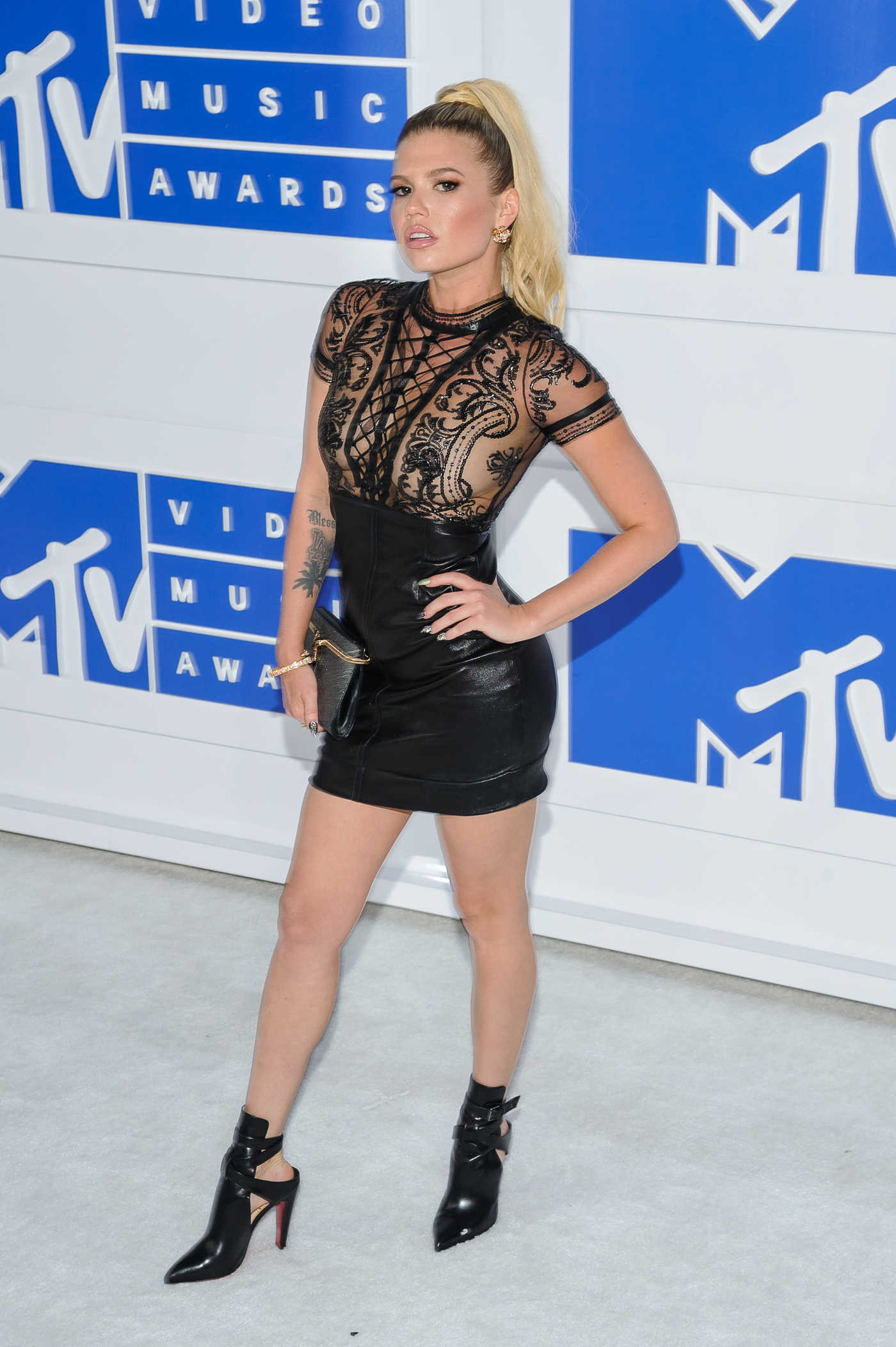 Chanel West Coast at 2016 MTV Video Music Awards at Madison Square Garden in New York 08/28/2016