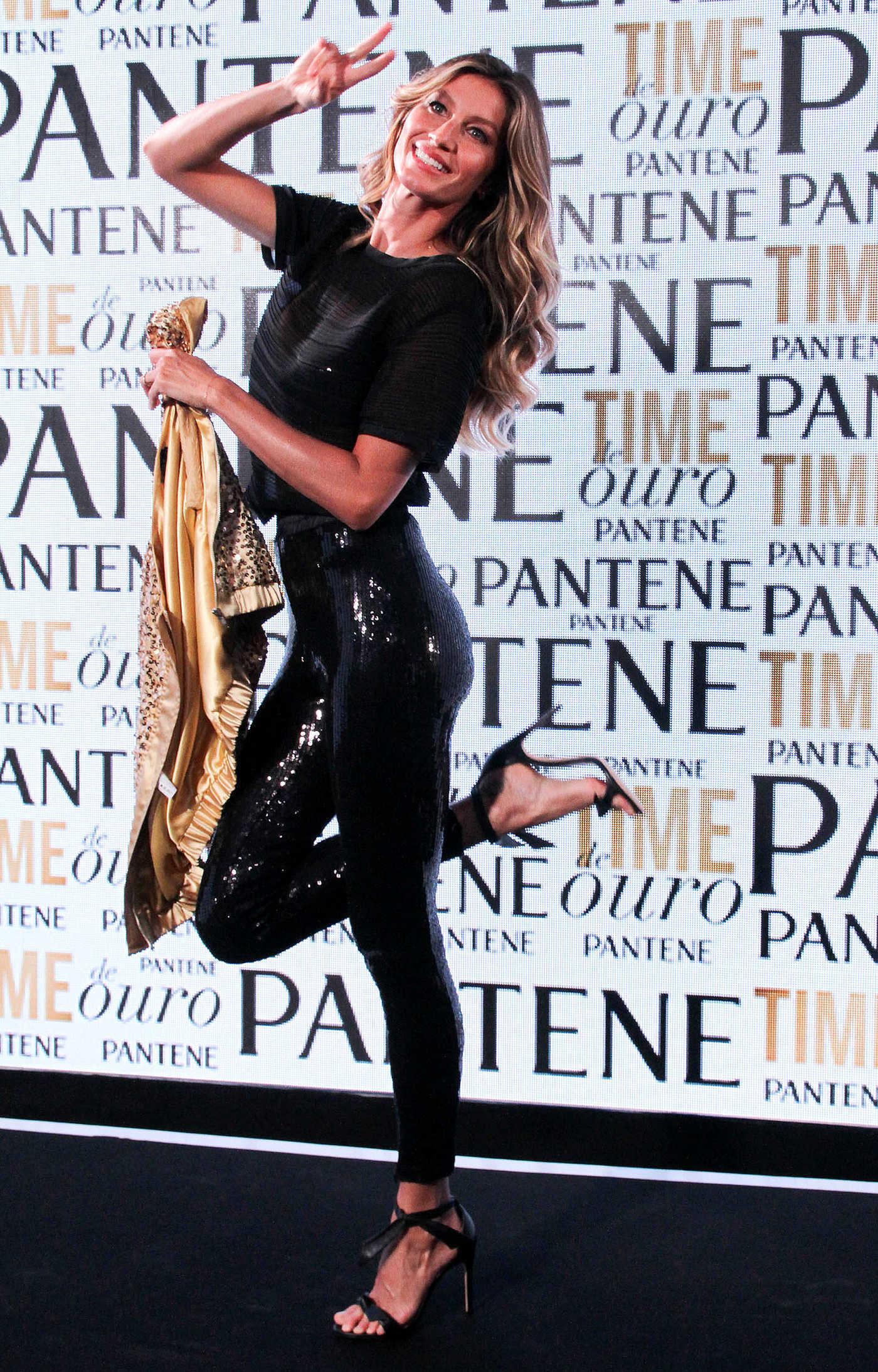 Gisele Bundchen Attends Pantene Campaign in Rio de Janeiro 08/06/2016