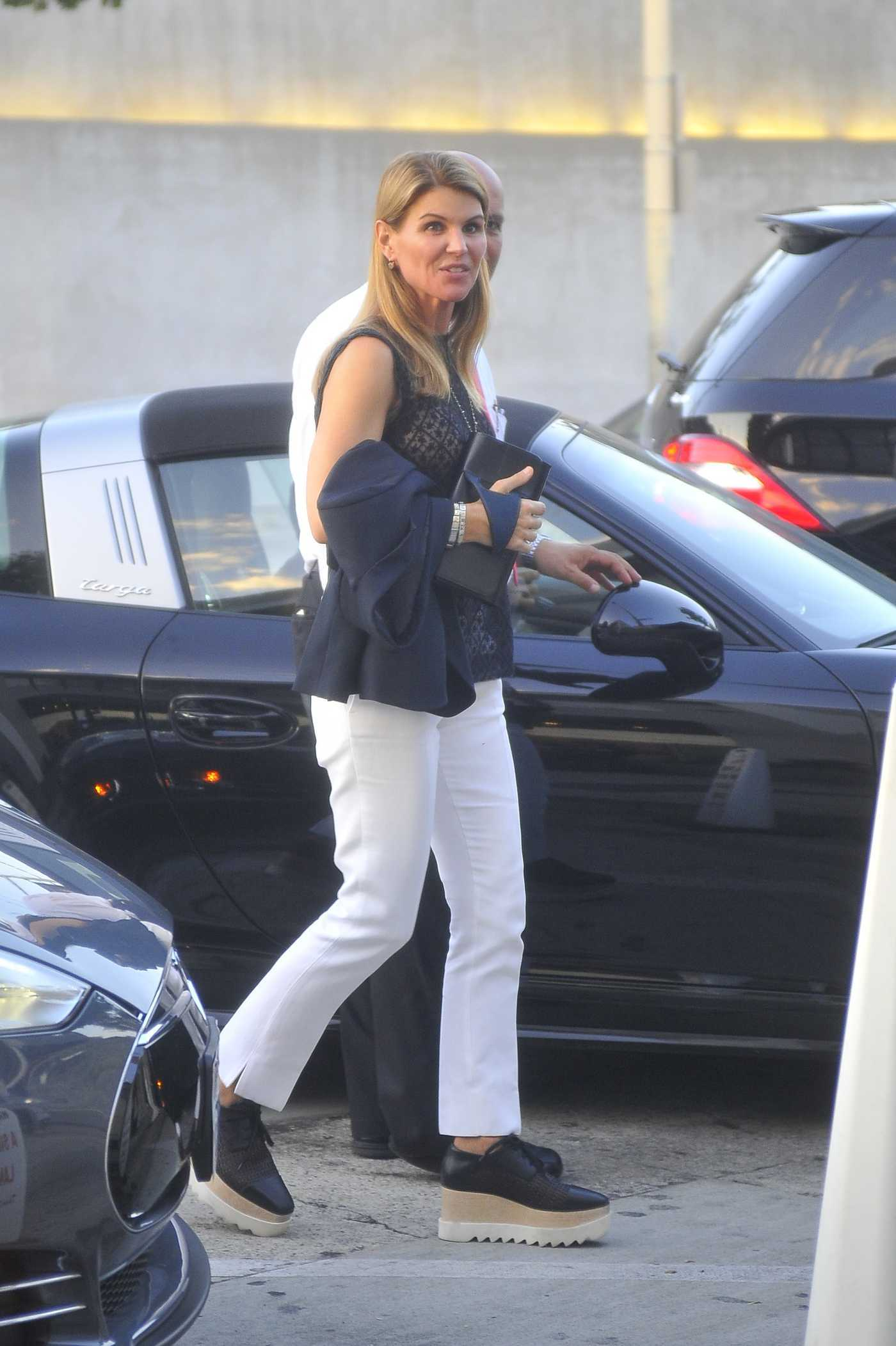 Lori Loughlin Arrives at Craig's Restaurant in West Hollywood 08/22/2016
