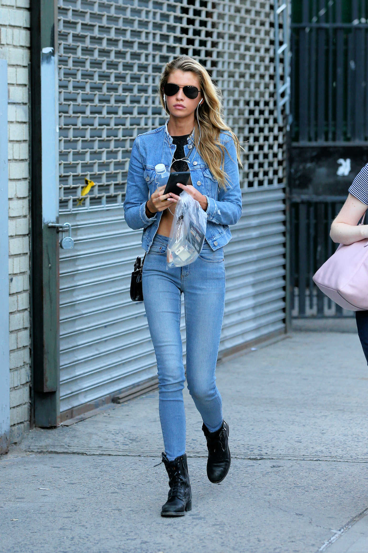 Stella Maxwell Goes Shopping in Soho, New York City 08/30/2016