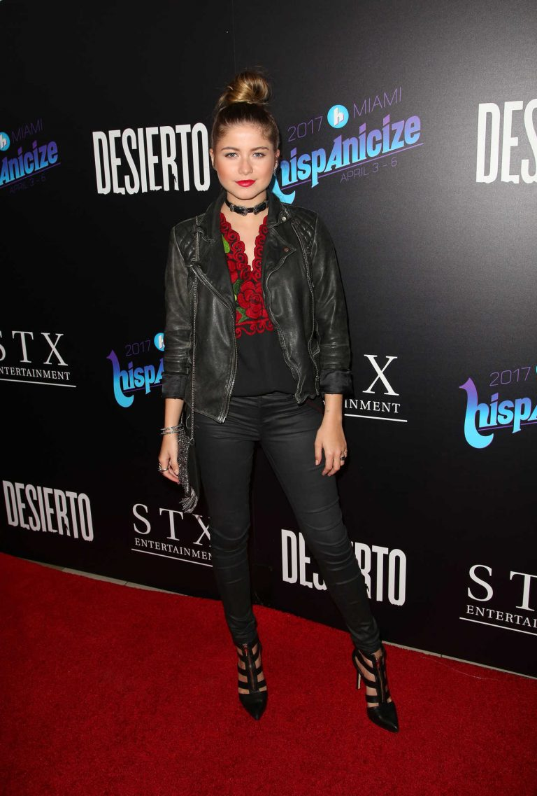 Sofia Reyes at the Desierto Premiere in Los Angeles 10/11/2016-1