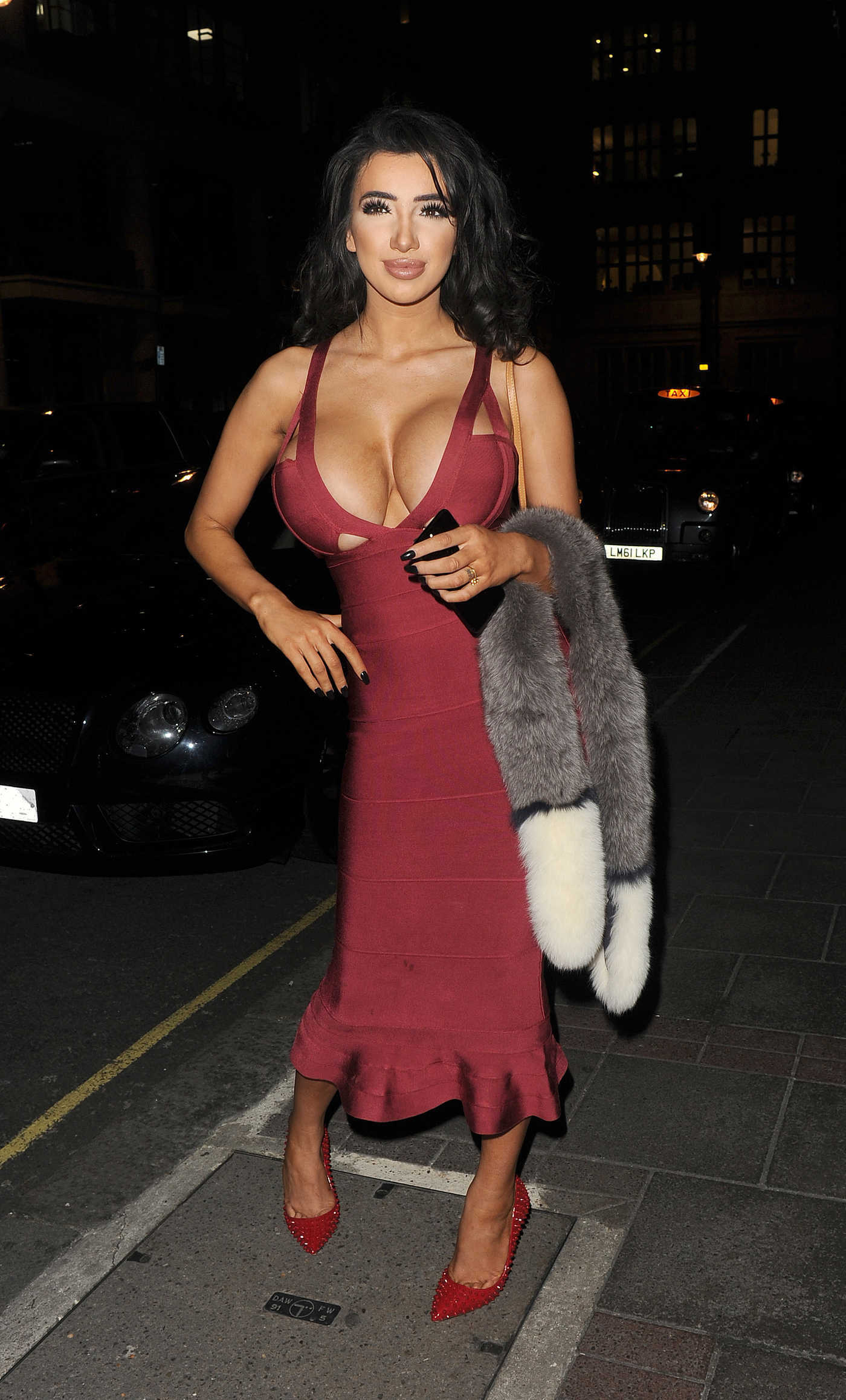 Chloe Khan Arrives at the Dinner in Mayfair 11/28/2016