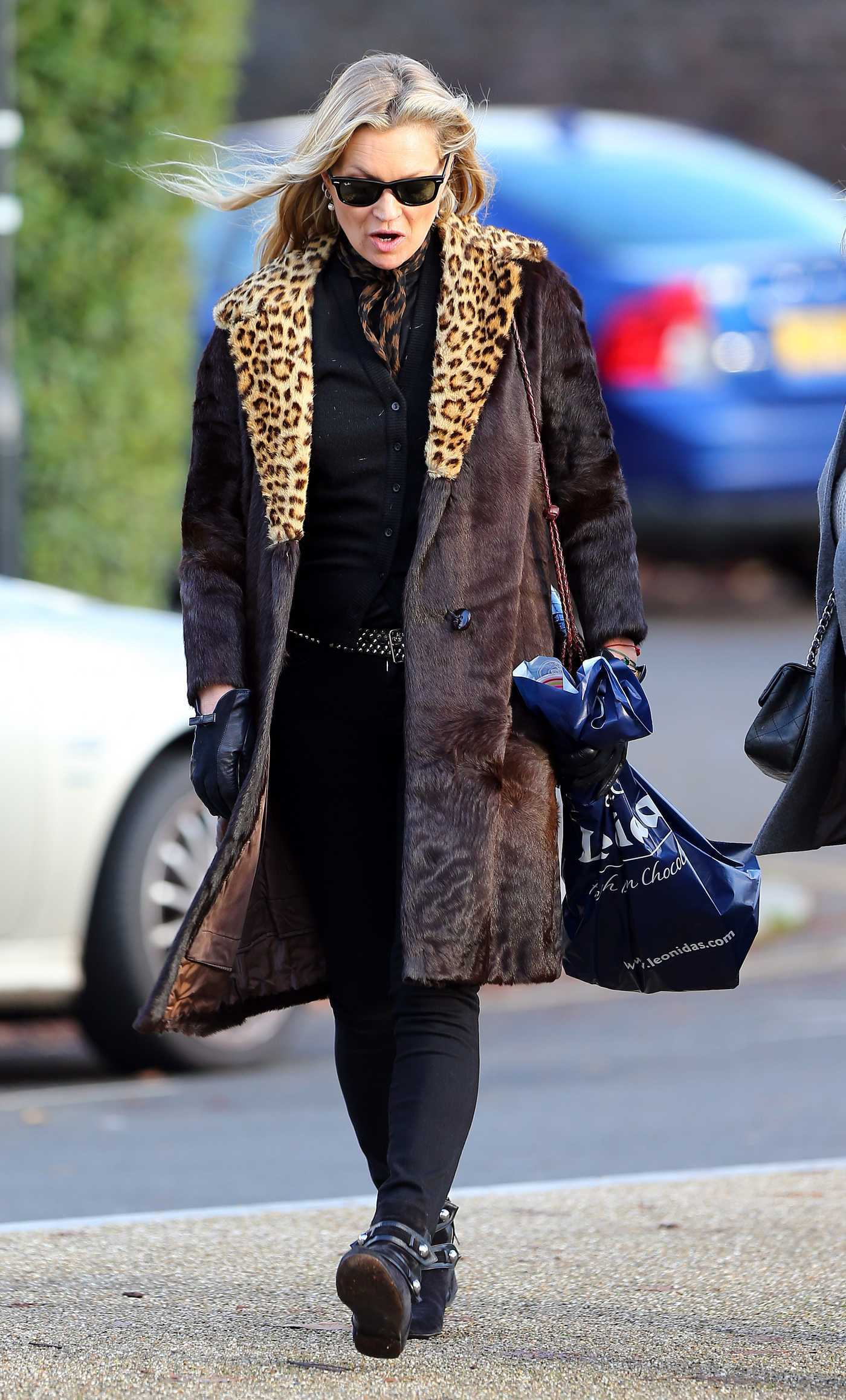 Kate Moss Goes Shopping Out in London 11/22/2016