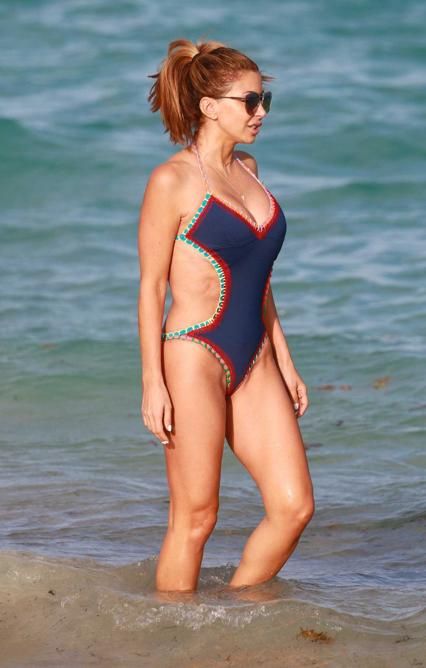 Larsa Pippen Wearing a Swimsuit at the Beach in Miami 11/26/2016