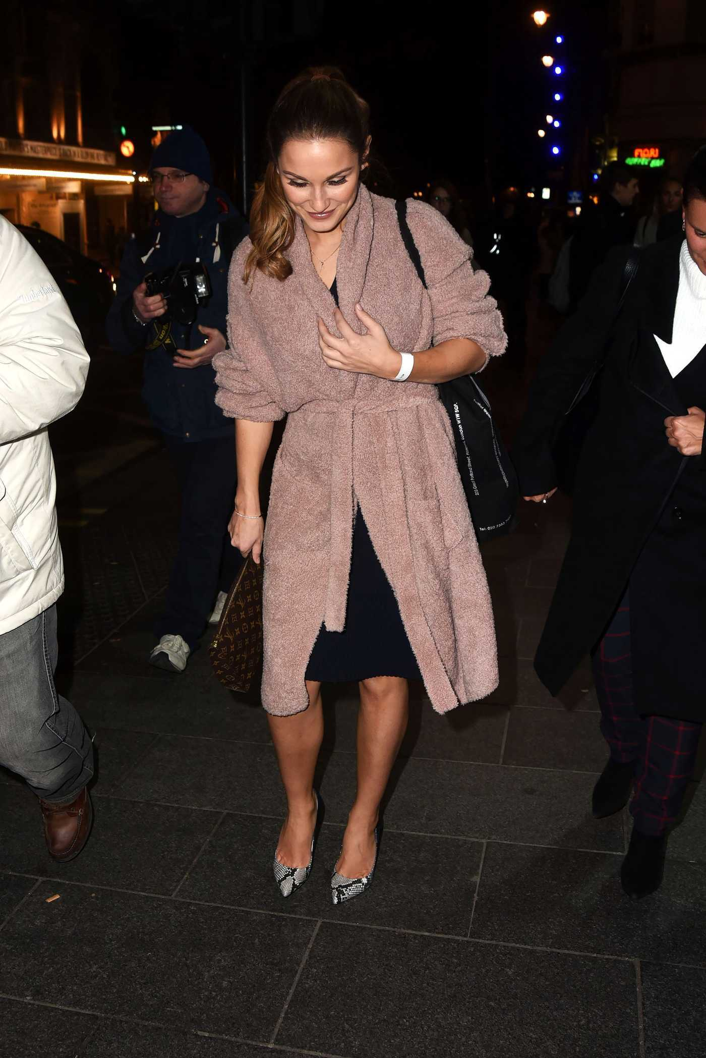Sam Faiers at Inanch Gold Class Clip-Ins Launch in London 11/22/2016