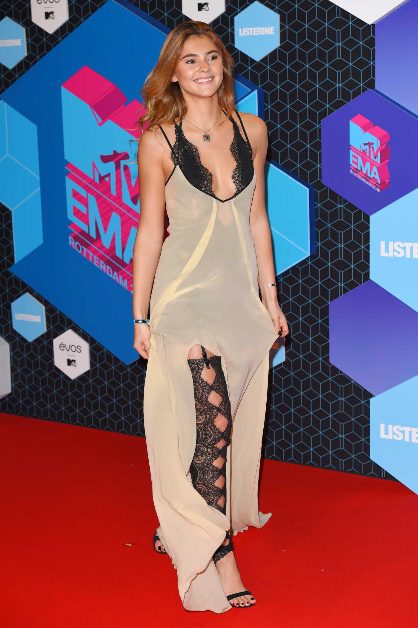Stefanie Giesinger at the MTV Europe Music Awards in Rotterdam 11/06/2016