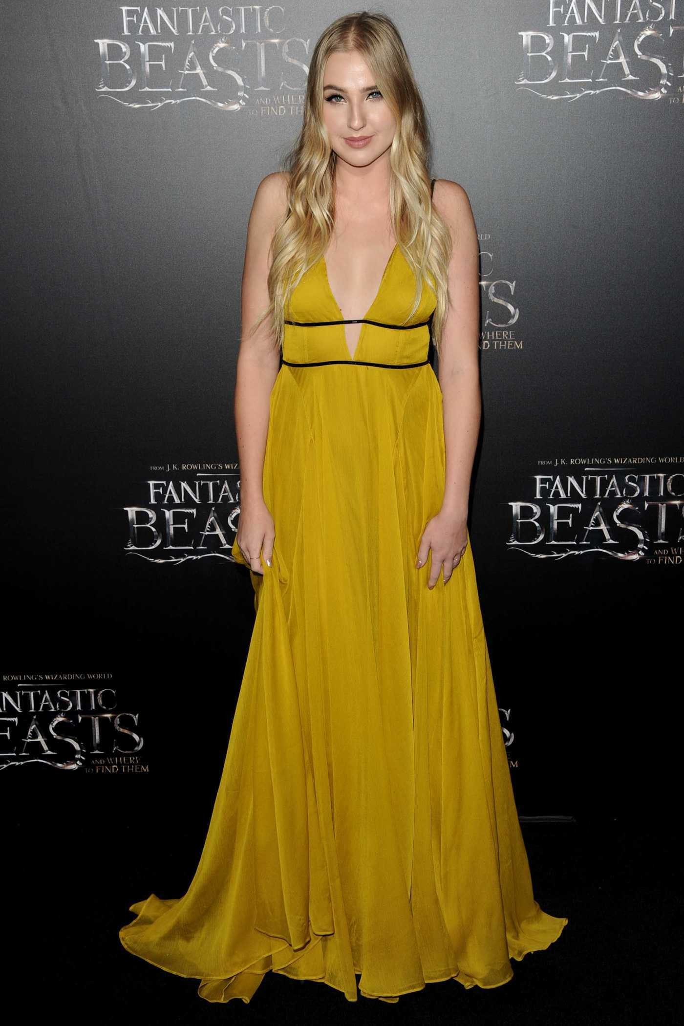 Veronica Dunne at the Fantastic Beasts and Where to Find Them Premiere in New York 11/10/2016