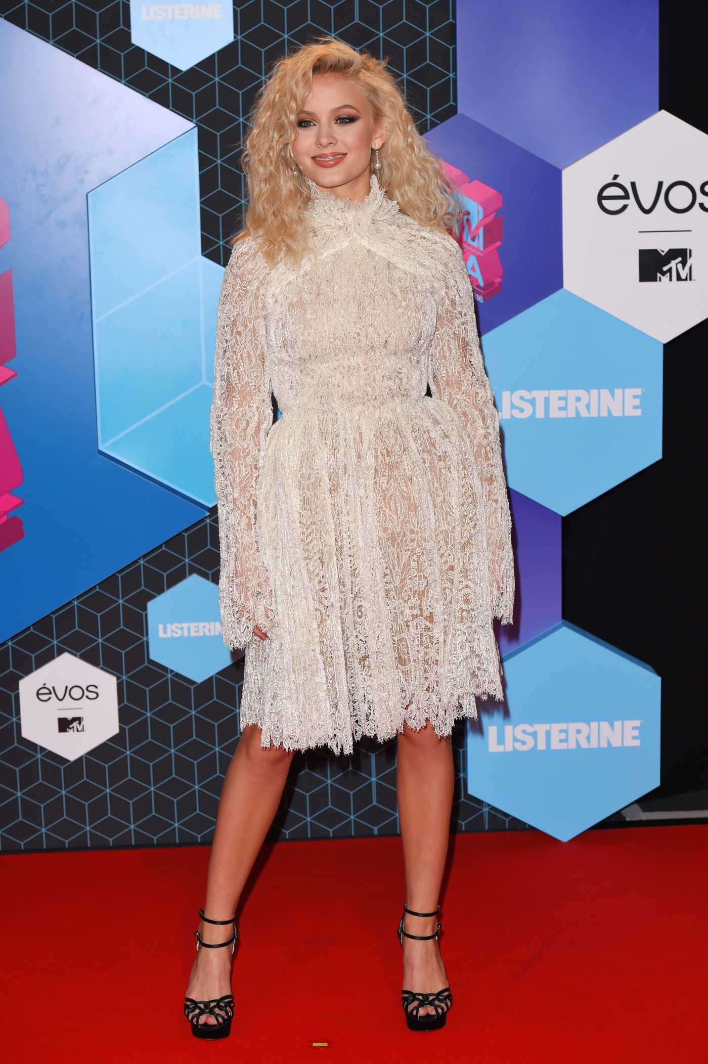 Zara Larsson at the MTV Europe Music Awards in Rotterdam 11/06/2016