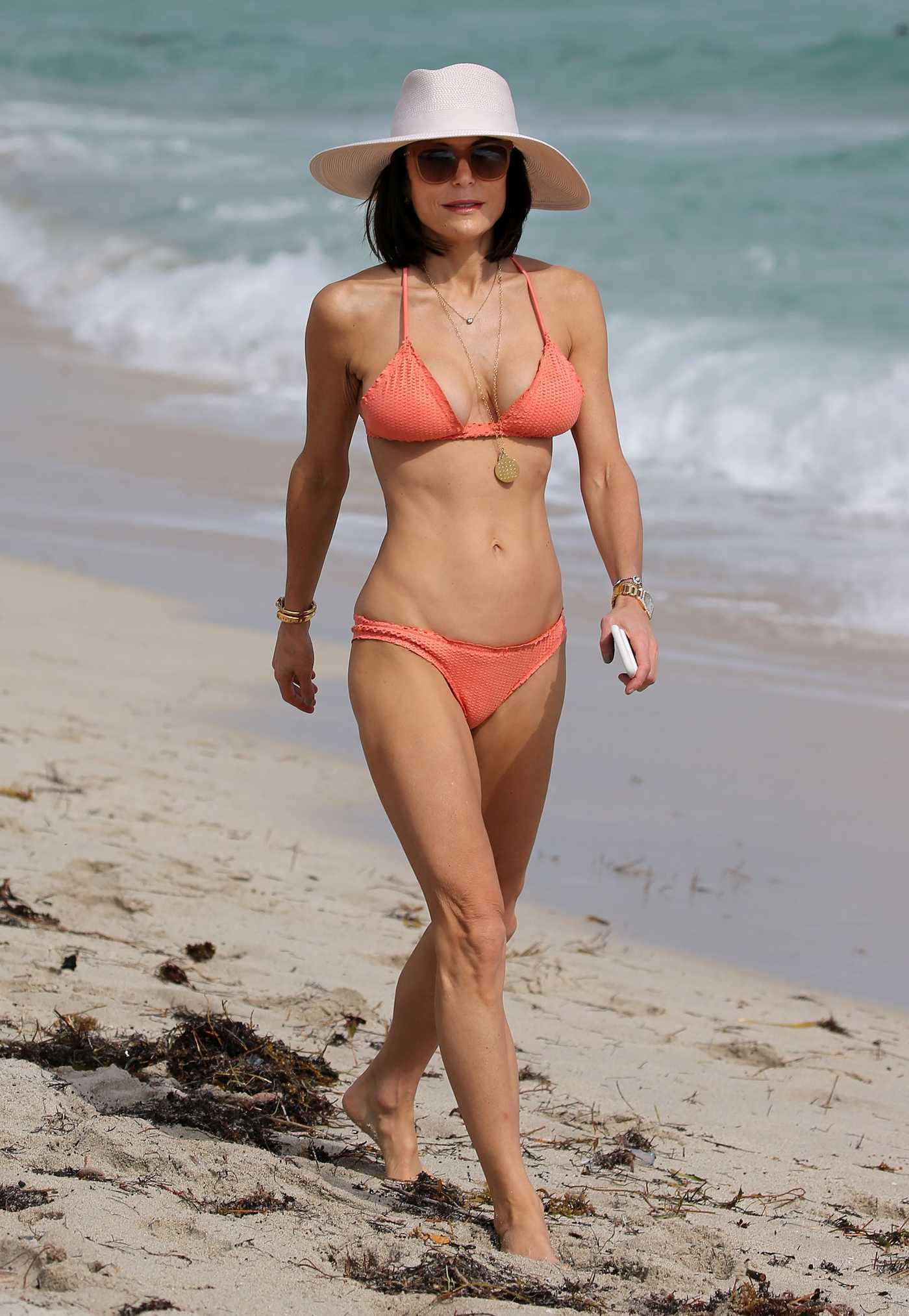 Bethenny Frankel in Bikini at the Beach in Miami 12/03/2016