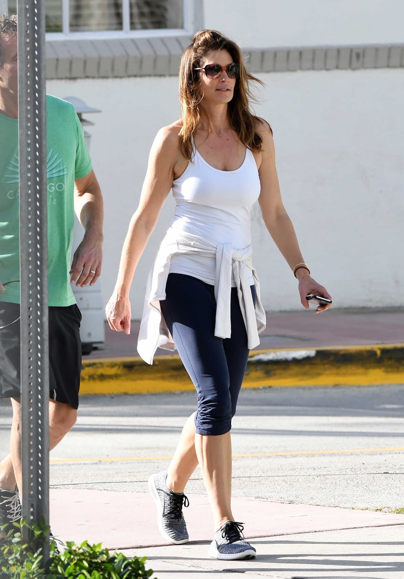Cindy Crawford Was Seen Out in Miami 12/25/2016