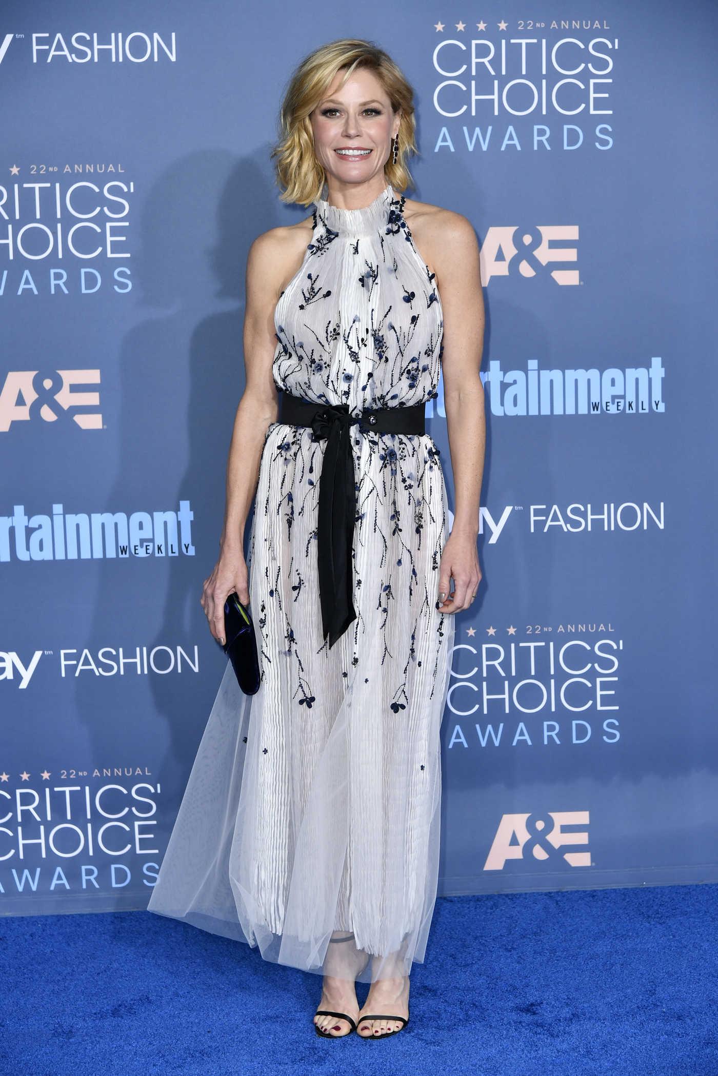 Julie Bowen at the 22nd Annual Critics' Choice Awards in Santa Monica 12/11/2016