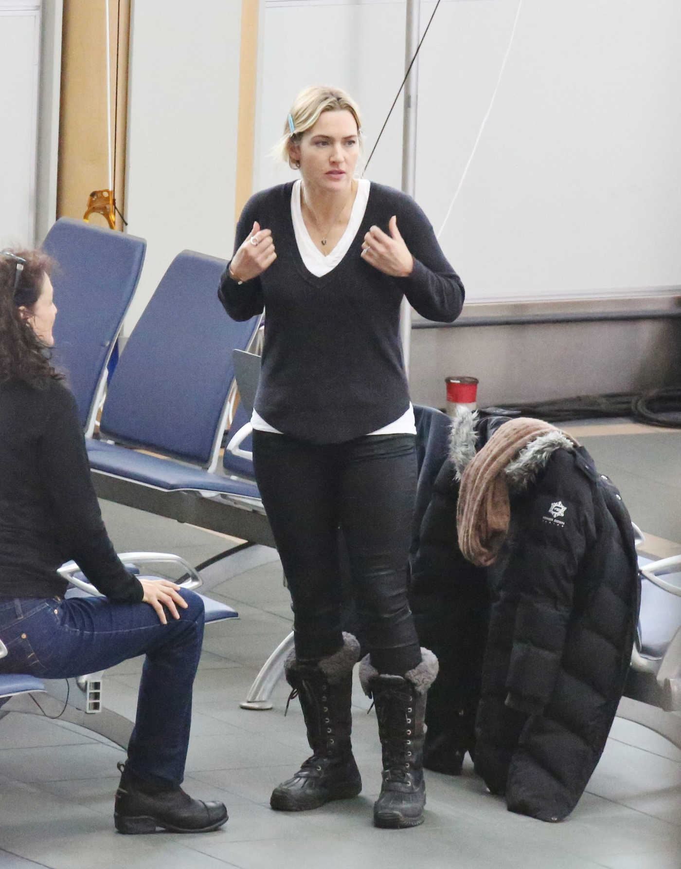 Kate Winslet on the Set of The Mountain Between Us in Vancouver 12/05/2016