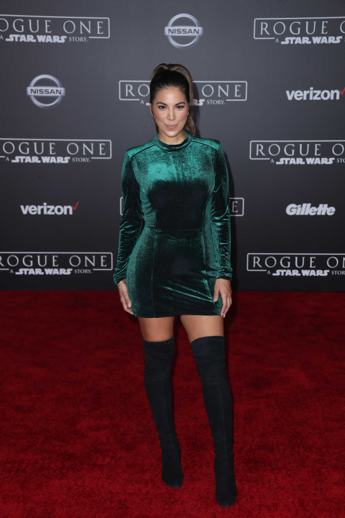 Liz Hernandez at the Rogue One: A Star Wars Story Premiere at the Pantages Theater in Hollywood 12/10/2016