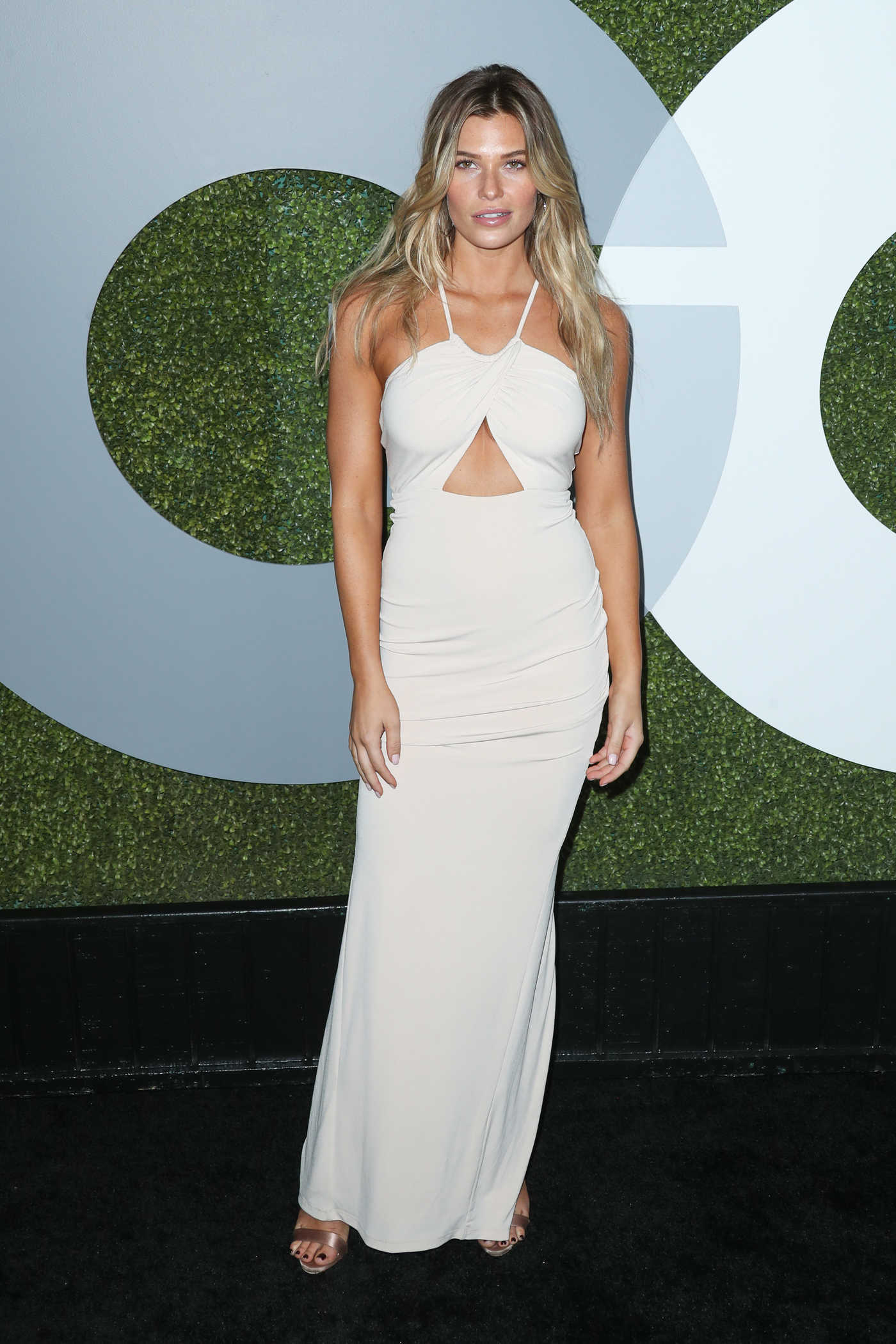 Samantha Hoopes at the 2016 GQ Men of the Year Awards in West Hollywood 12/08/2016