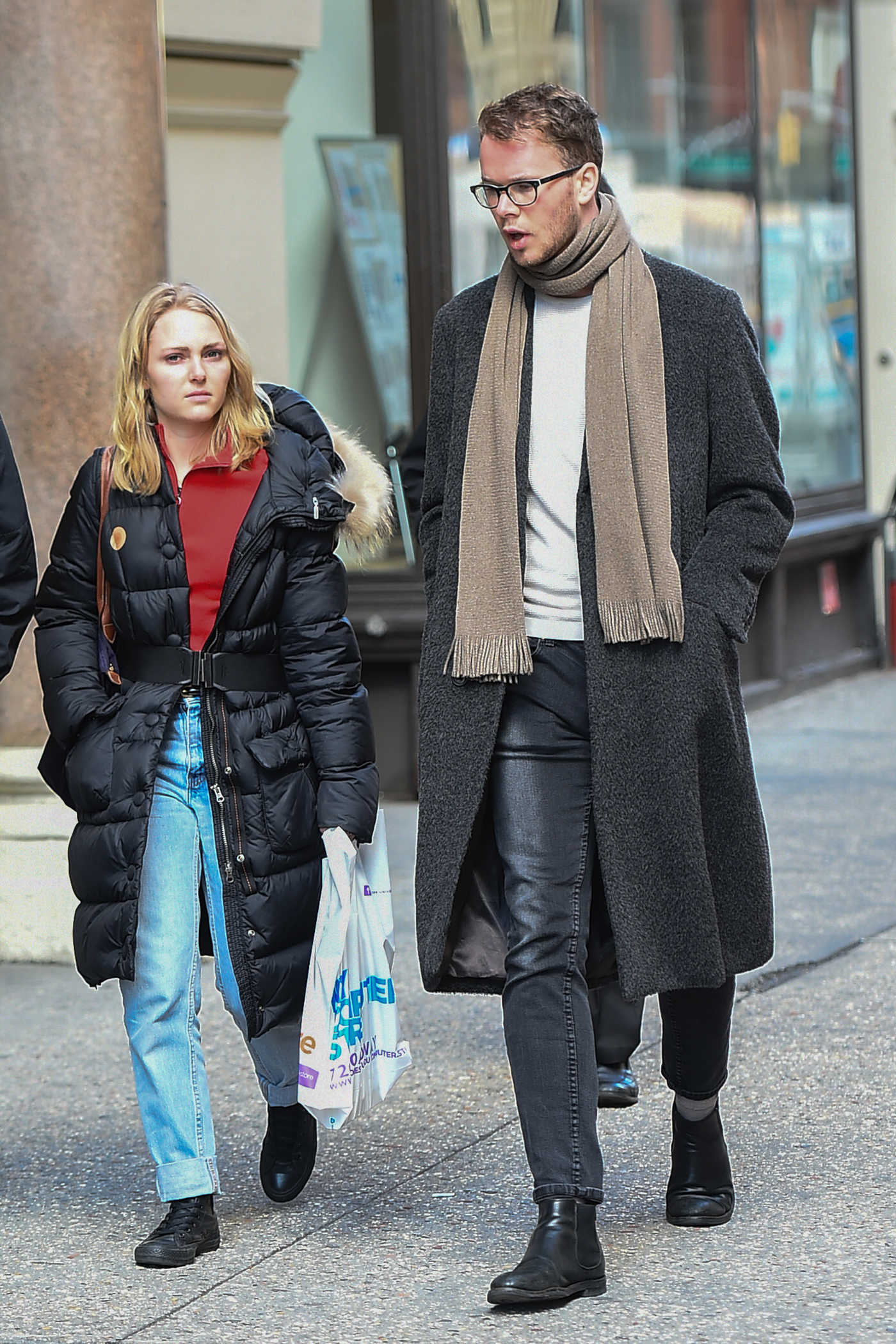 AnnaSophia Robb Was Seen Out in New York 01/25/2017