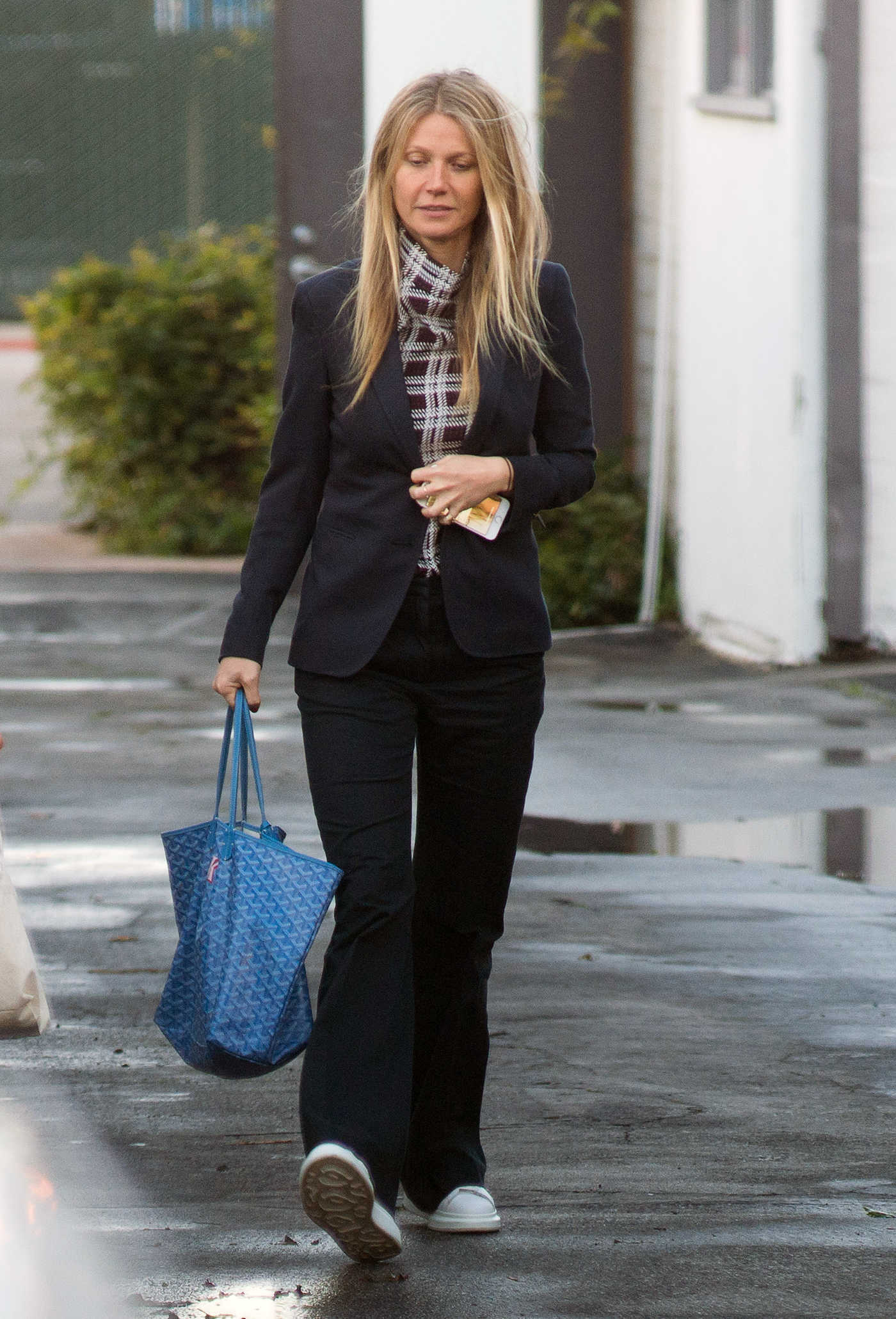 Gwyneth Paltrow Was Seen Out in Los Angeles 01/22/2017