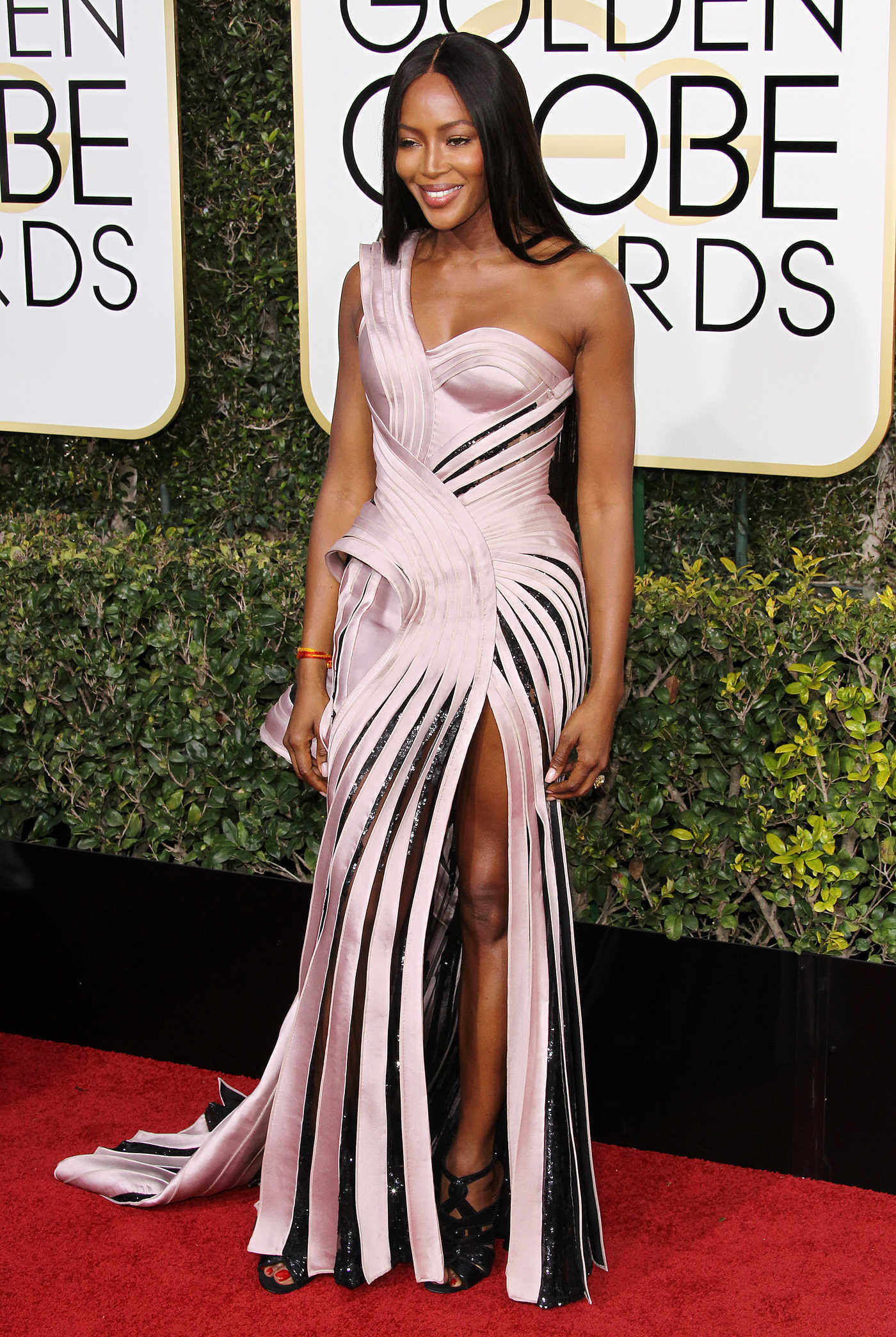 Naomi Campbell at the 74th Annual Golden Globe Awards in Beverly Hills 01/08/2017