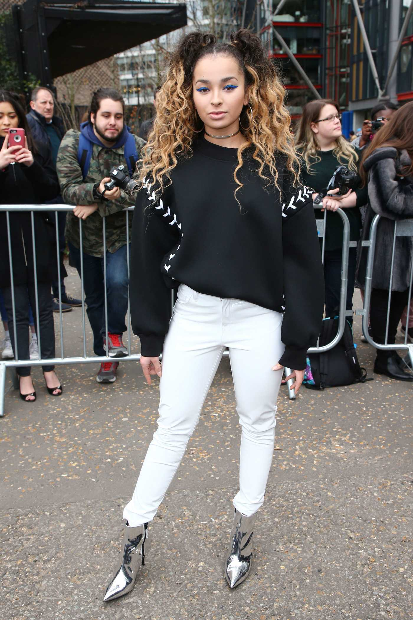 Ella Eyre at the Topshop Unique Show During the London Fashion Week 02/19/2017