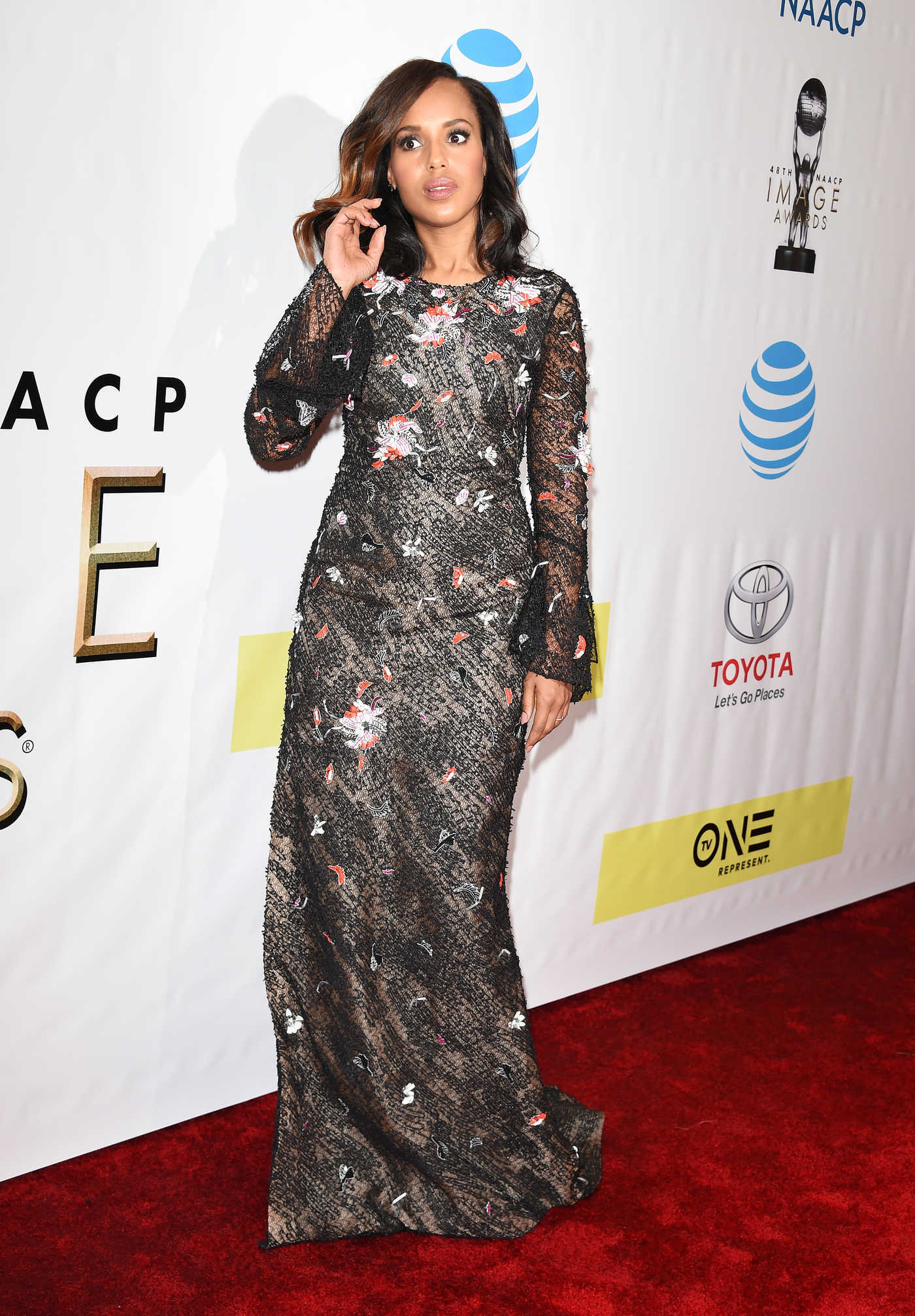 Kerry Washington at the 48th NAACP Image Awards in Pasadena 02/11/2017