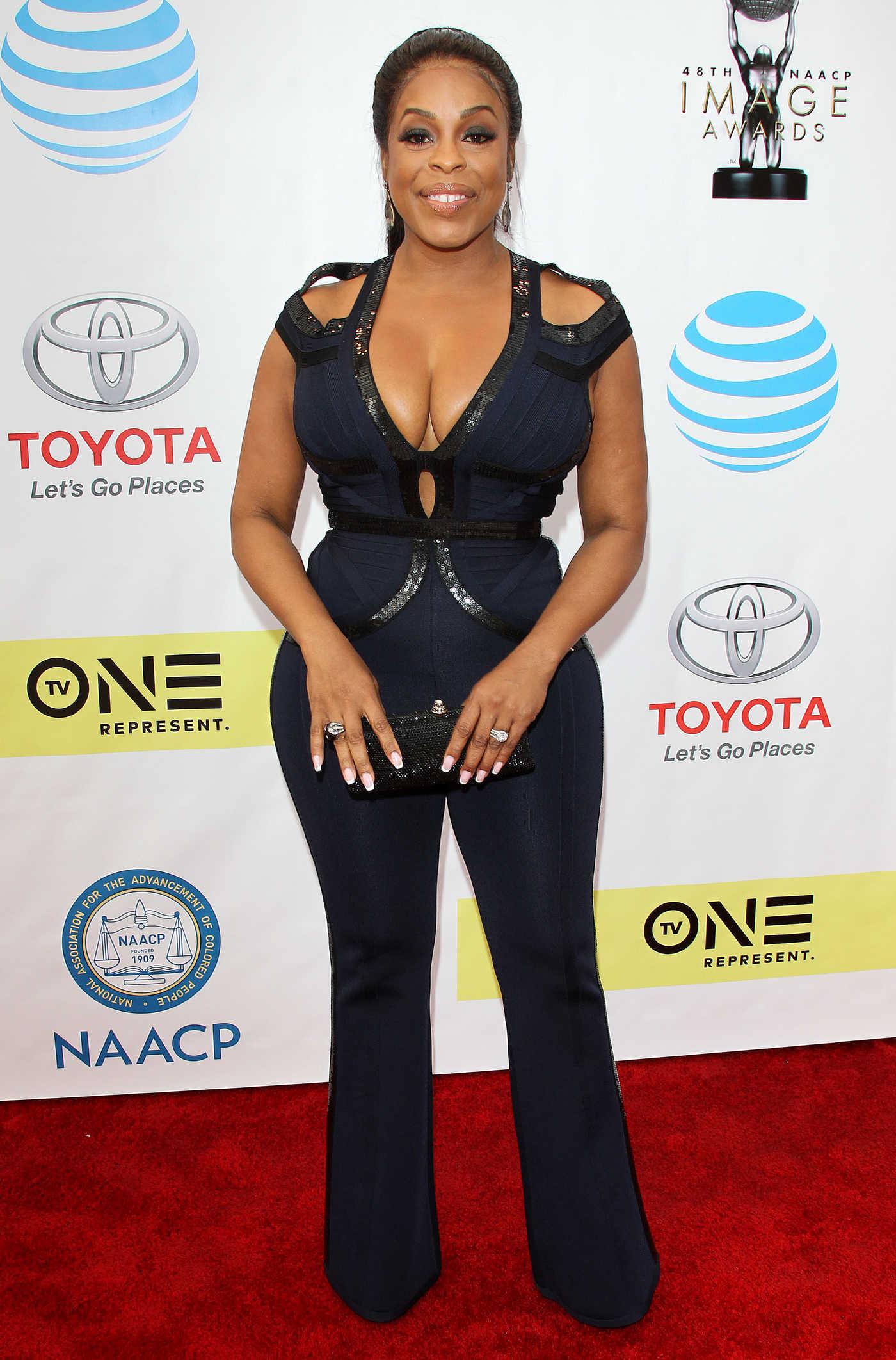 Niecy Nash at the 48th NAACP Image Awards in Pasadena 02/11/2017