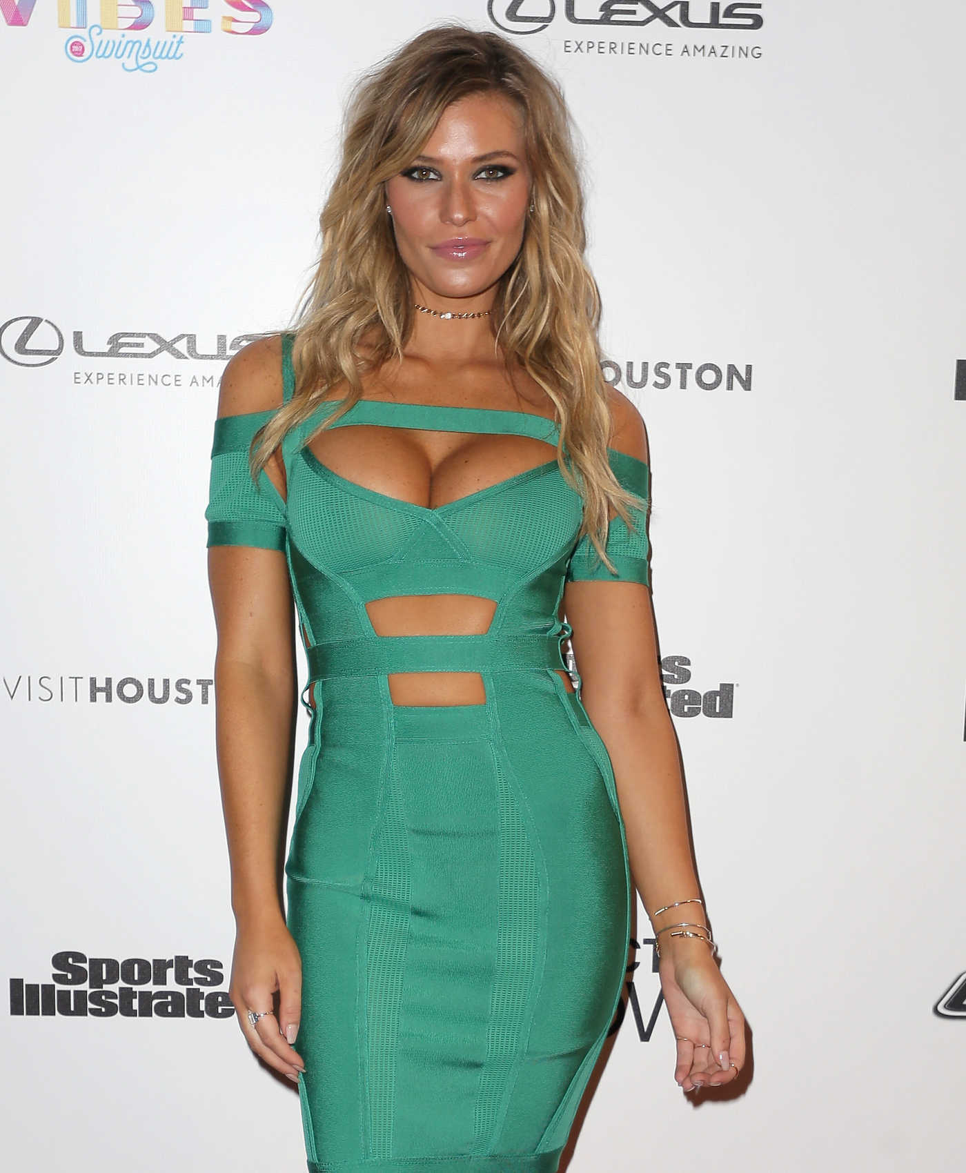 Samantha Hoopes at the 2017 Sports Illustrated Swimsuit Vibes Festival in Houston 02/17/2017