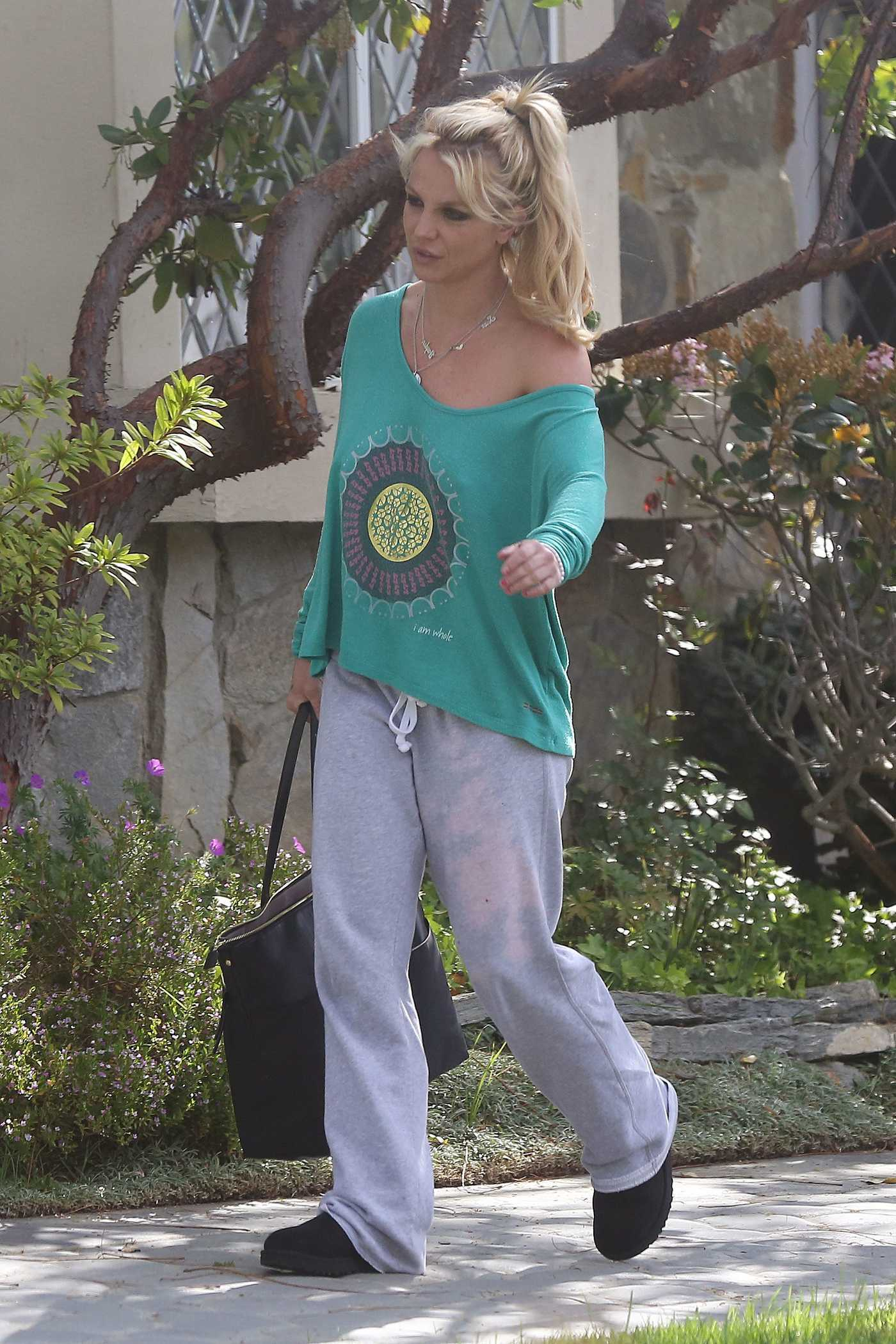 Britney Spears Leaves a Friends House in Los Angeles 03/20/2017