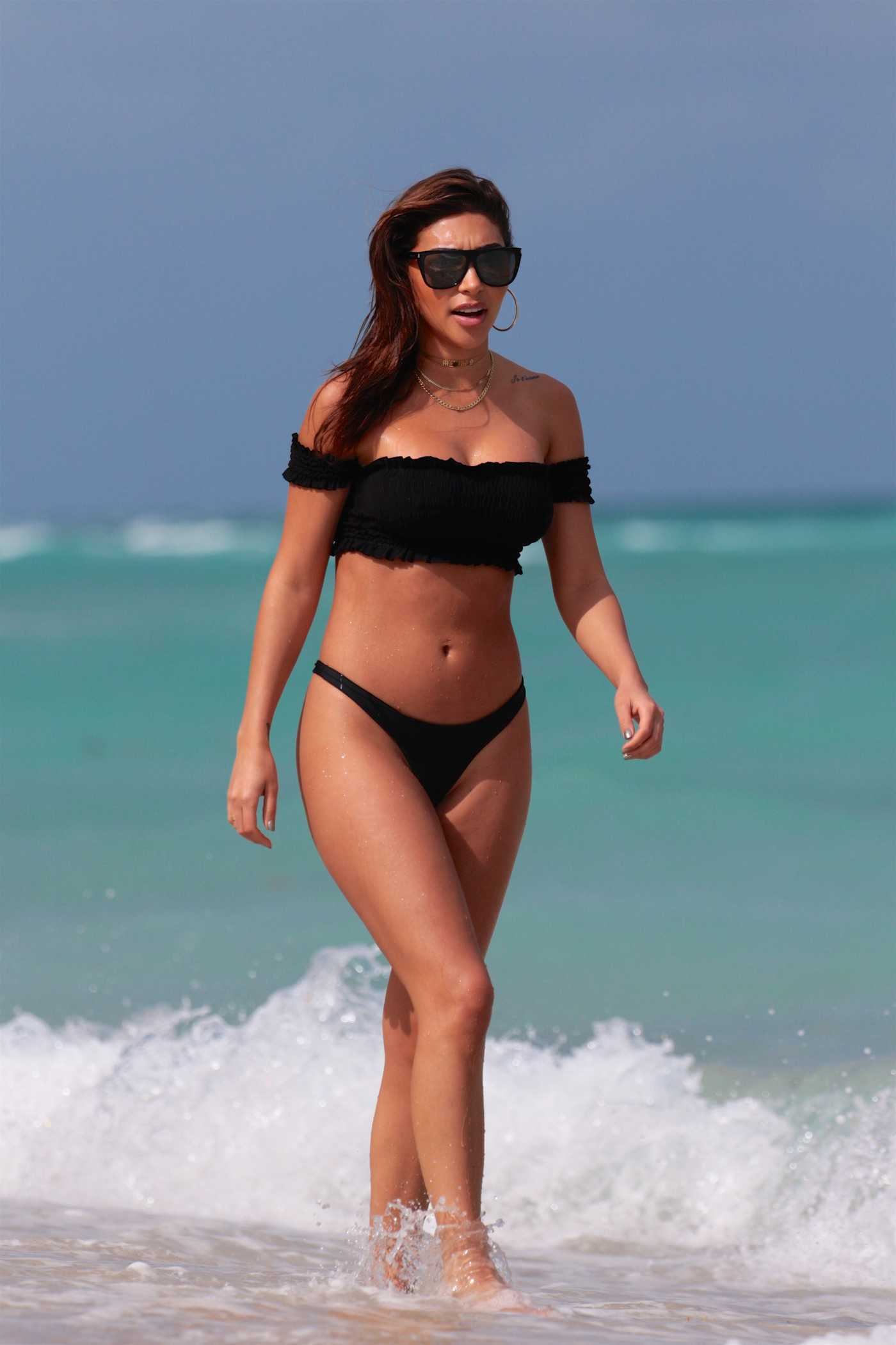 Chantel Jeffries Wears a Black Bikini at the Beach in Miami 03/26/2017