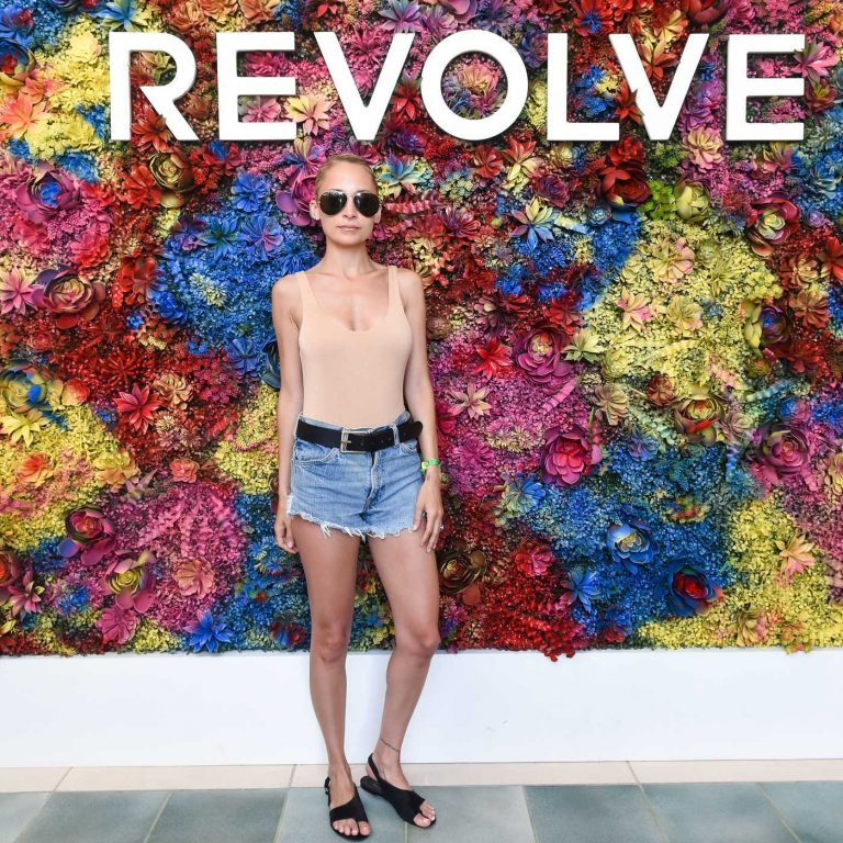 Nicole Richie Attends the REVOLVE Desert House During the Coachella Valley Music and Arts Festival in Palm Springs 04/16/2017-1