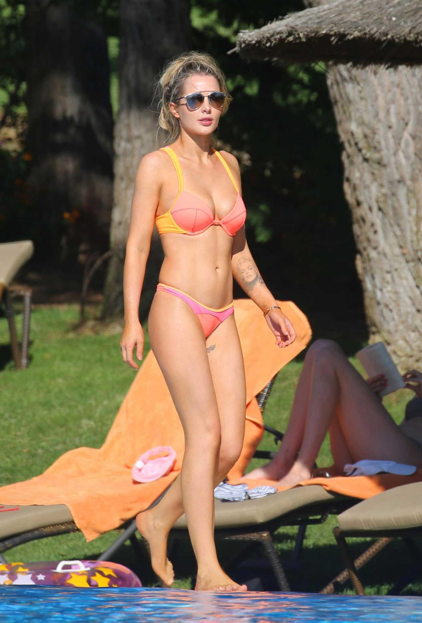 Helen Flanagan Wears a Bikini by the Pool in Majorca 06/15/2017