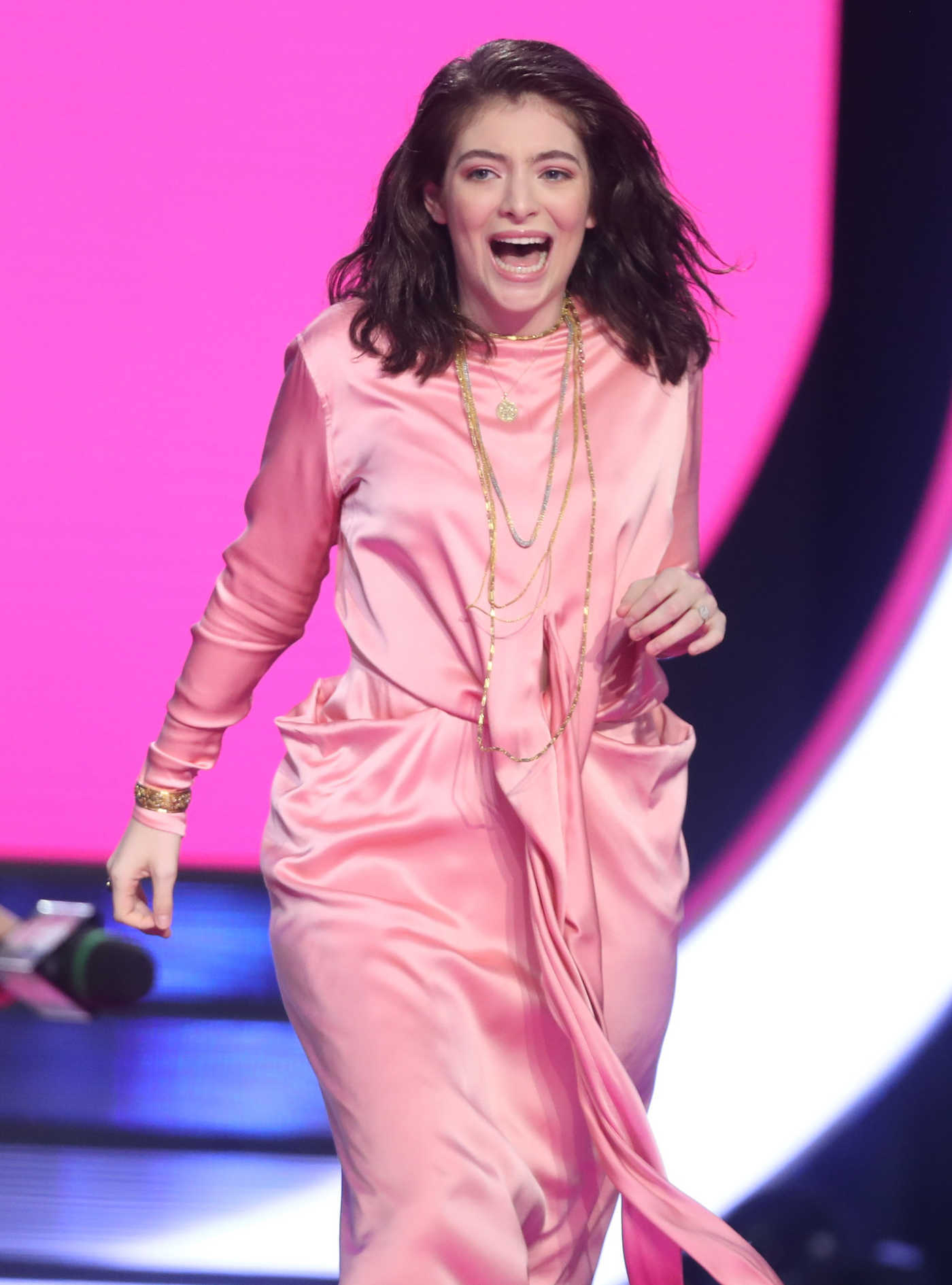 Lorde Arrives at the iHeartRadio MuchMusic Video Awards in Toronto 06/18/2017