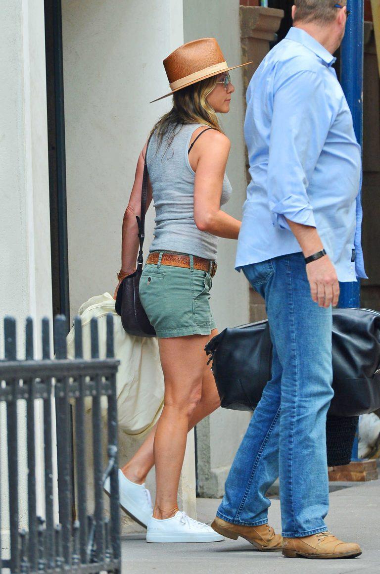 Jennifer Aniston Leaves Her Apartment in New York City 07/12/2017-1