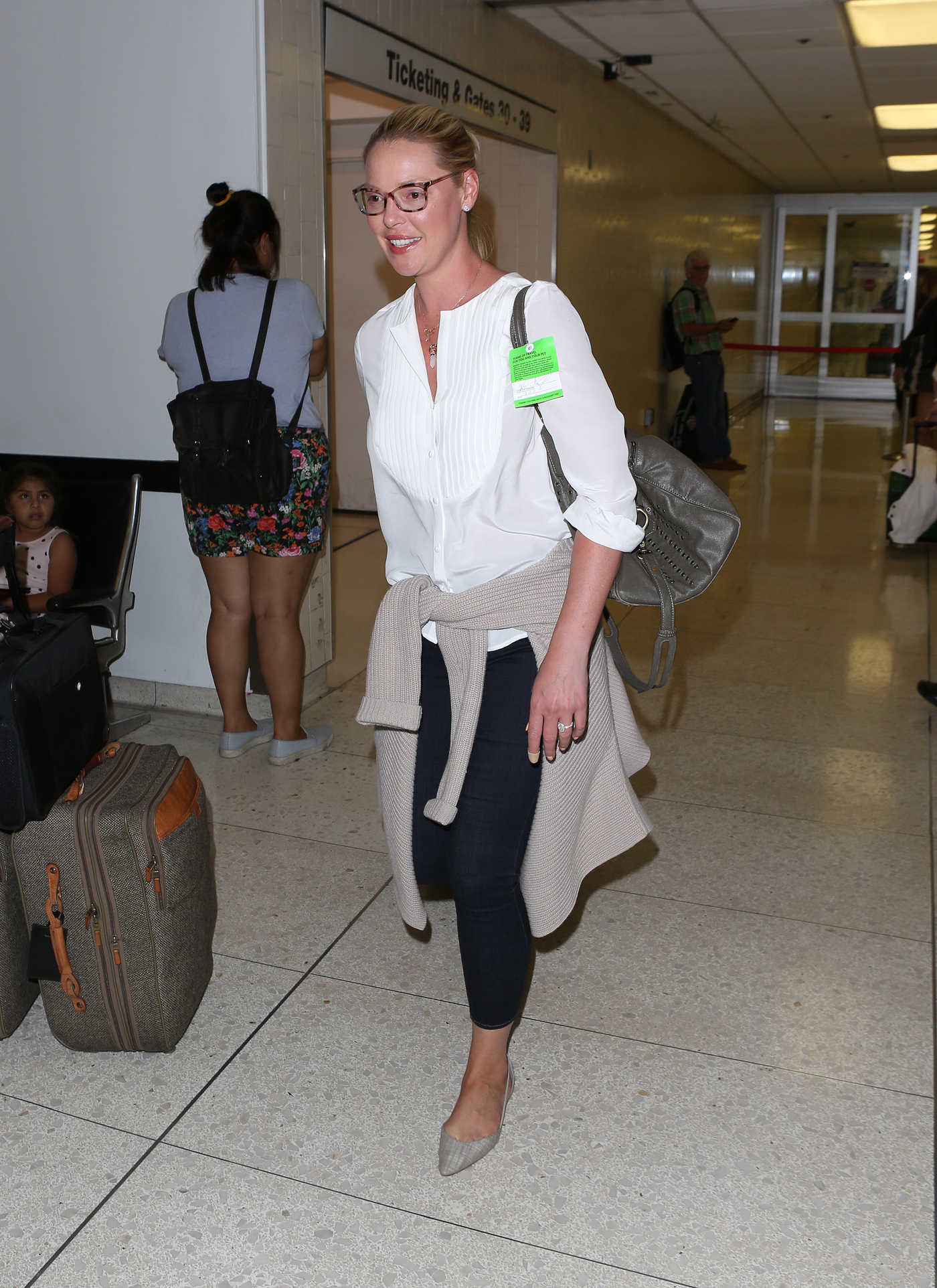 Katherine Heigl Arrives at LAX Airport in Los Angeles 07/10/2017