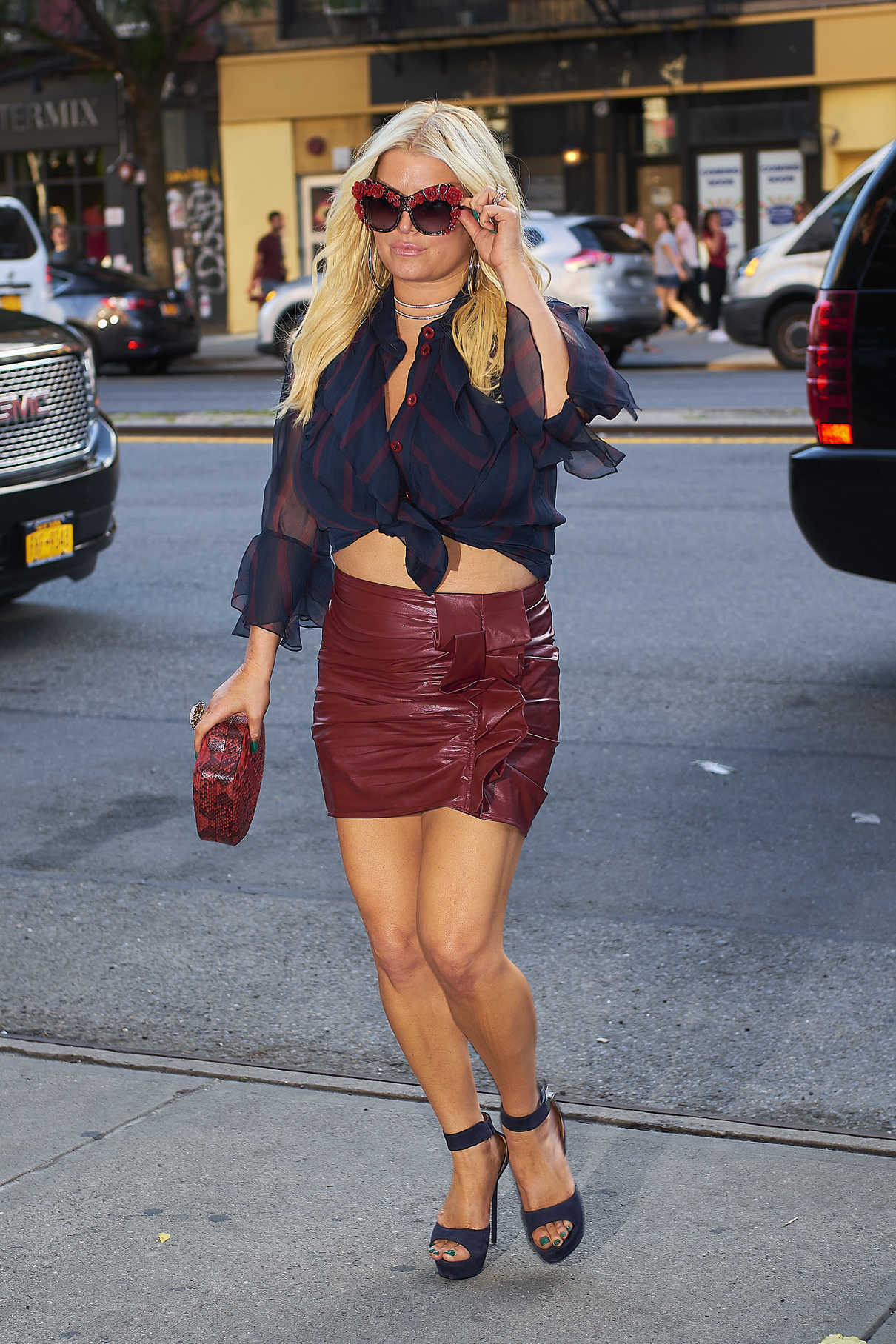 Jessica Simpson Wears a Tight Red Skirt in New York City 08/08/2017