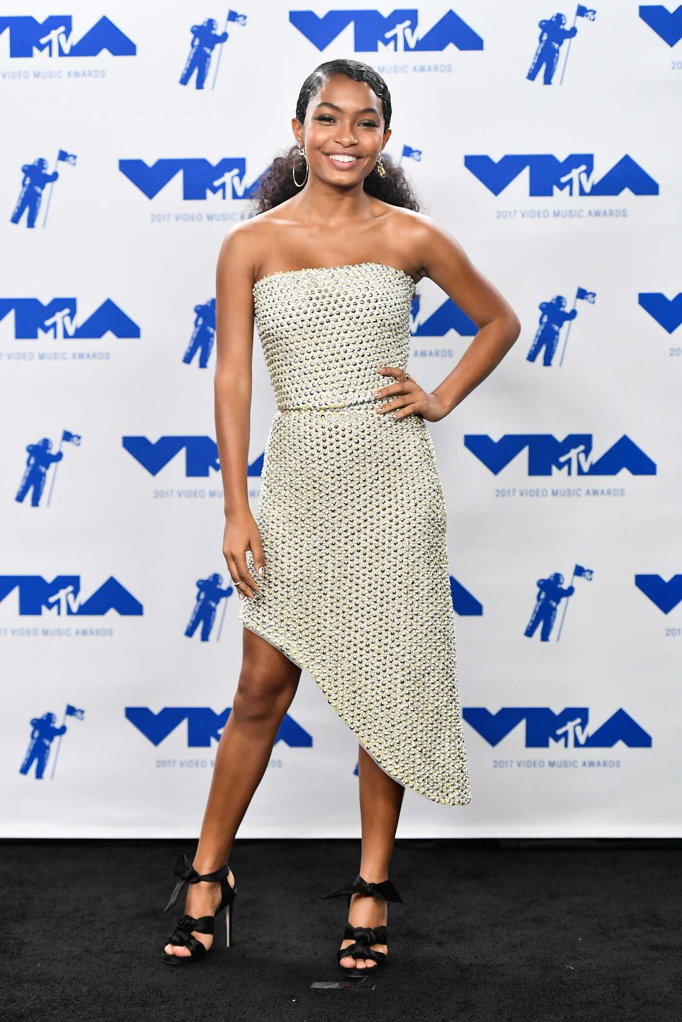 Yara Shahidi at the 2017 MTV Video Music Awards in Los Angeles 08/27/2017