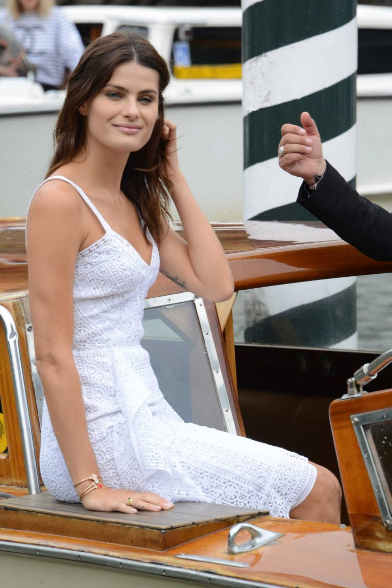 Isabeli Fontana Was Seen Out in Venice During the 74th Venice International Film Festival in Italy 09/02/2017-1