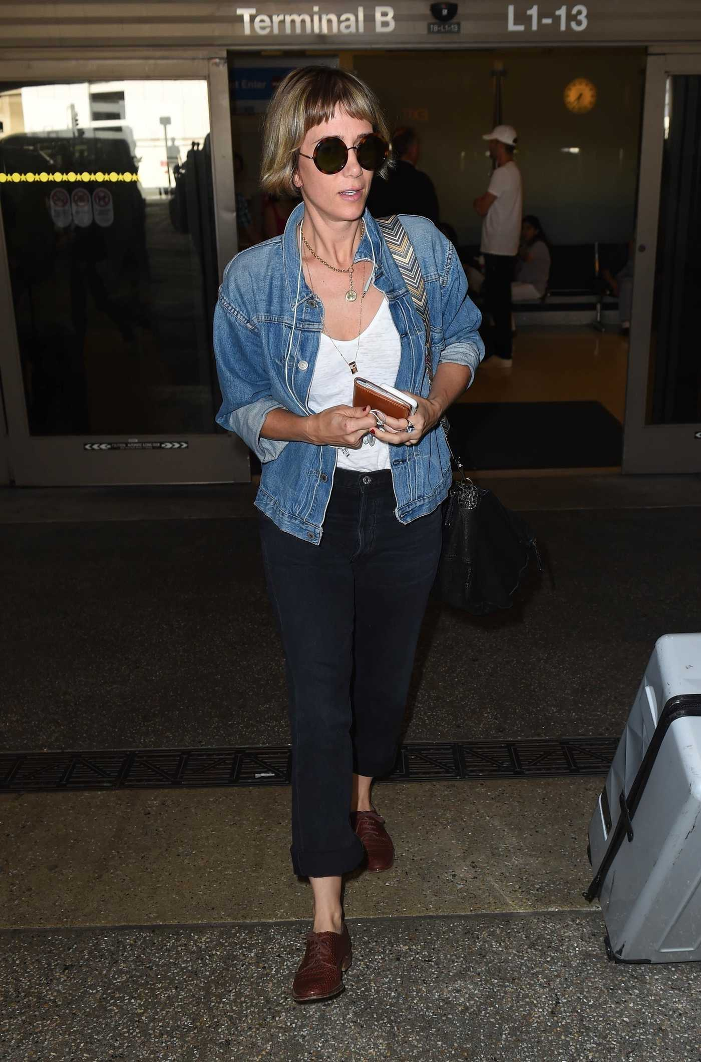 Kristen Wiig Leaves LAX Airport in Los Angeles 09/01/2017