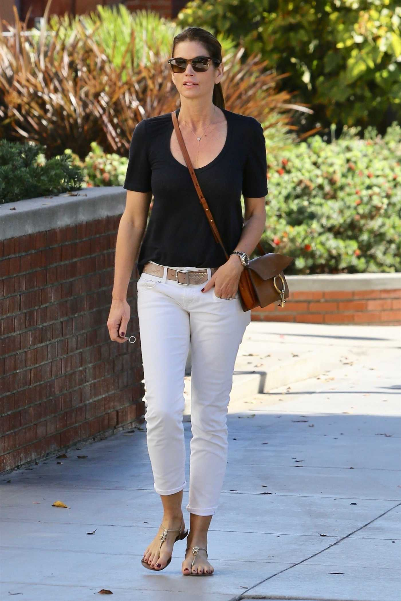 Cindy Crawford Was Seen Out in Santa Monica 10/16/2017