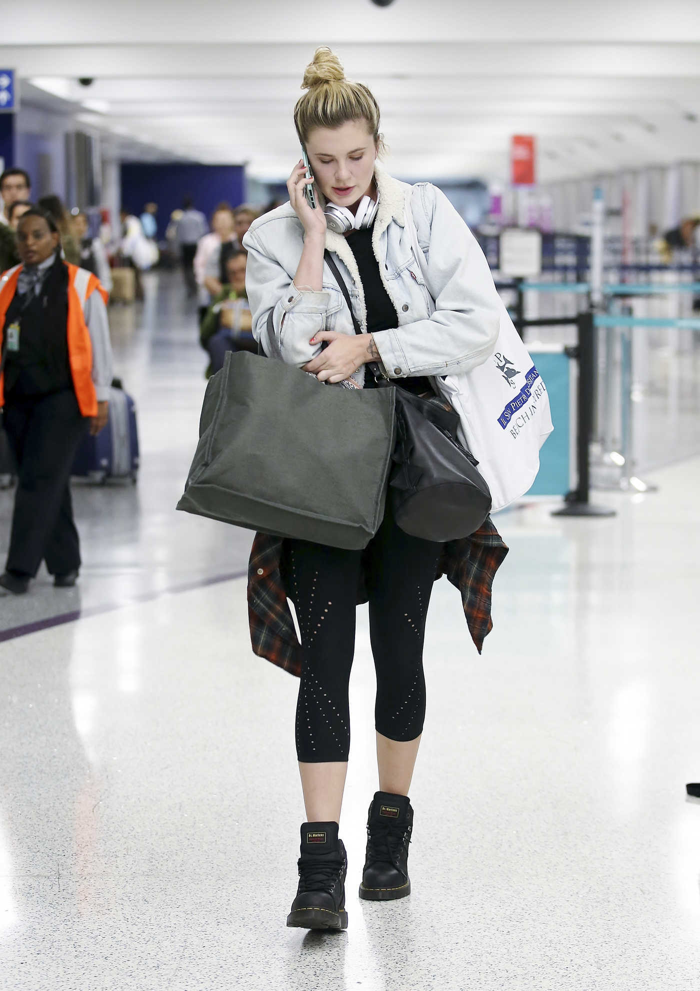 Ireland Baldwin Was Spotted at LAX Airport in LA 10/28/2017