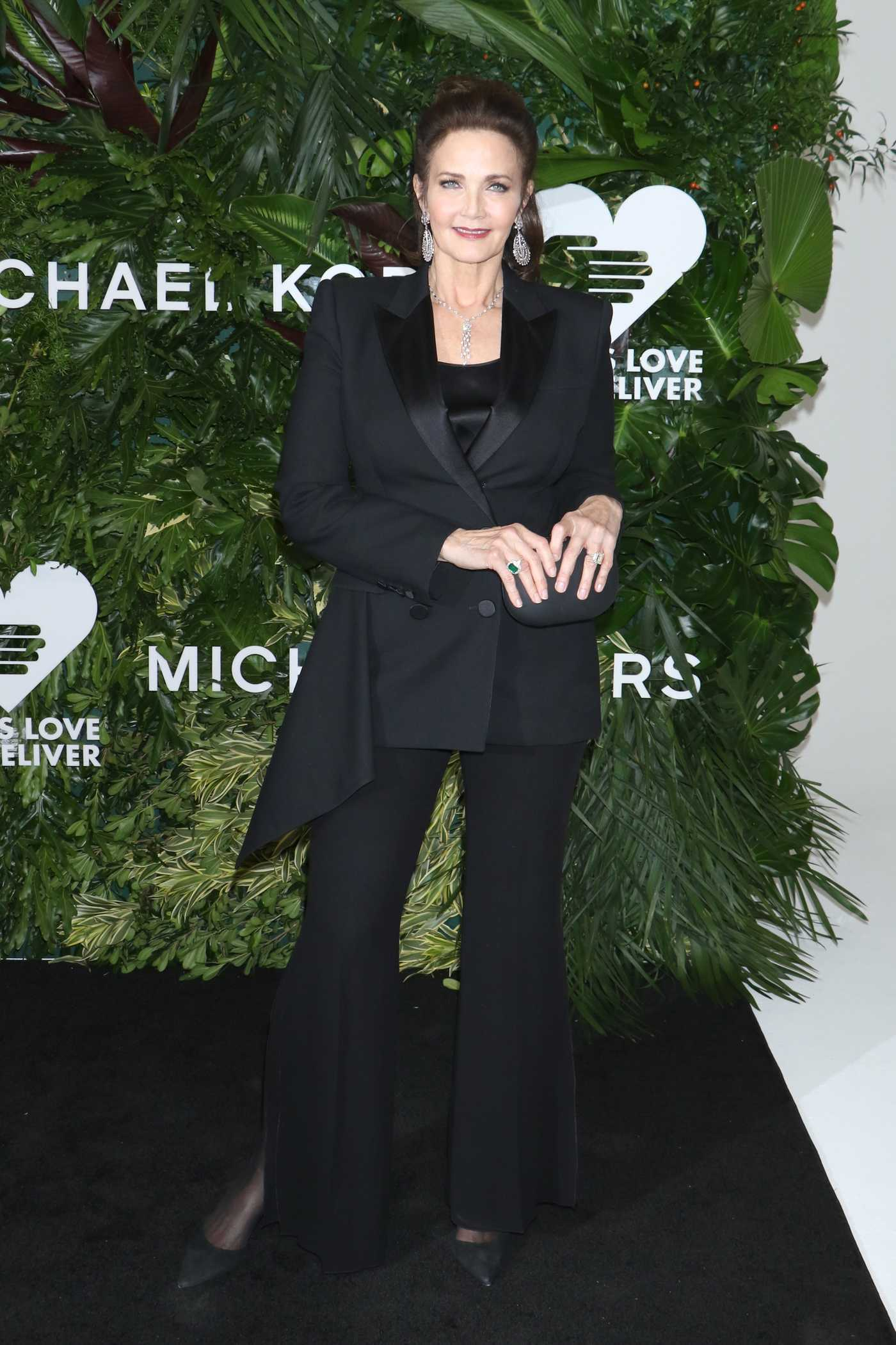 Lynda Carter at the 11th Annual God's Love We Deliver Golden Heart Awards in NY 10/16/2017