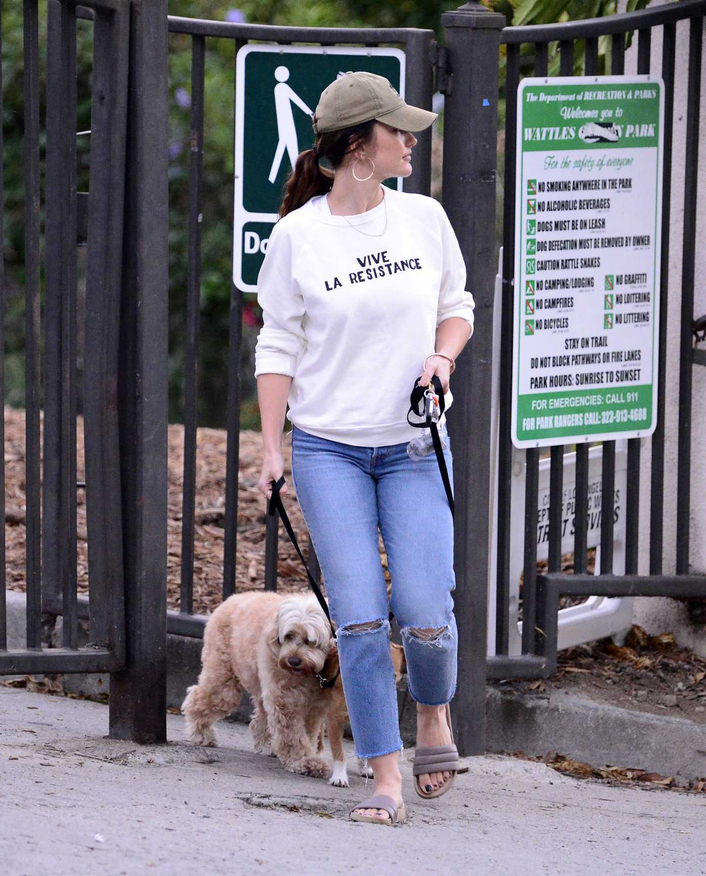 Minka Kelly Was Seen With Her Dogs at the Park in LA 10/04/2017