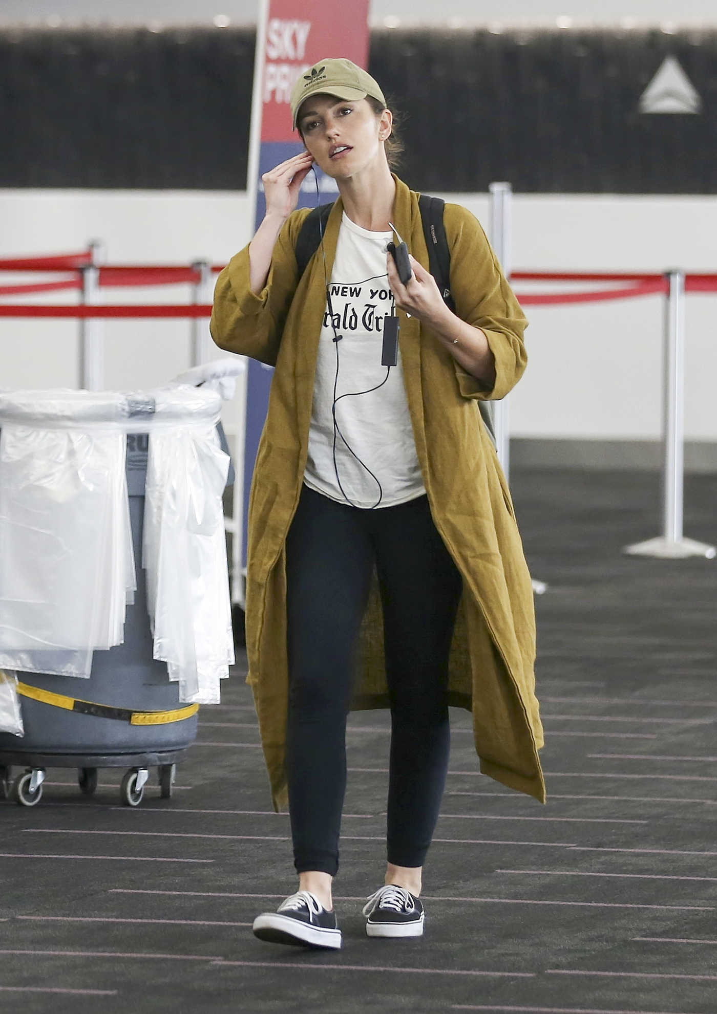 Minka Kelly Was Spotted at LAX Airport in LA 10/29/2017