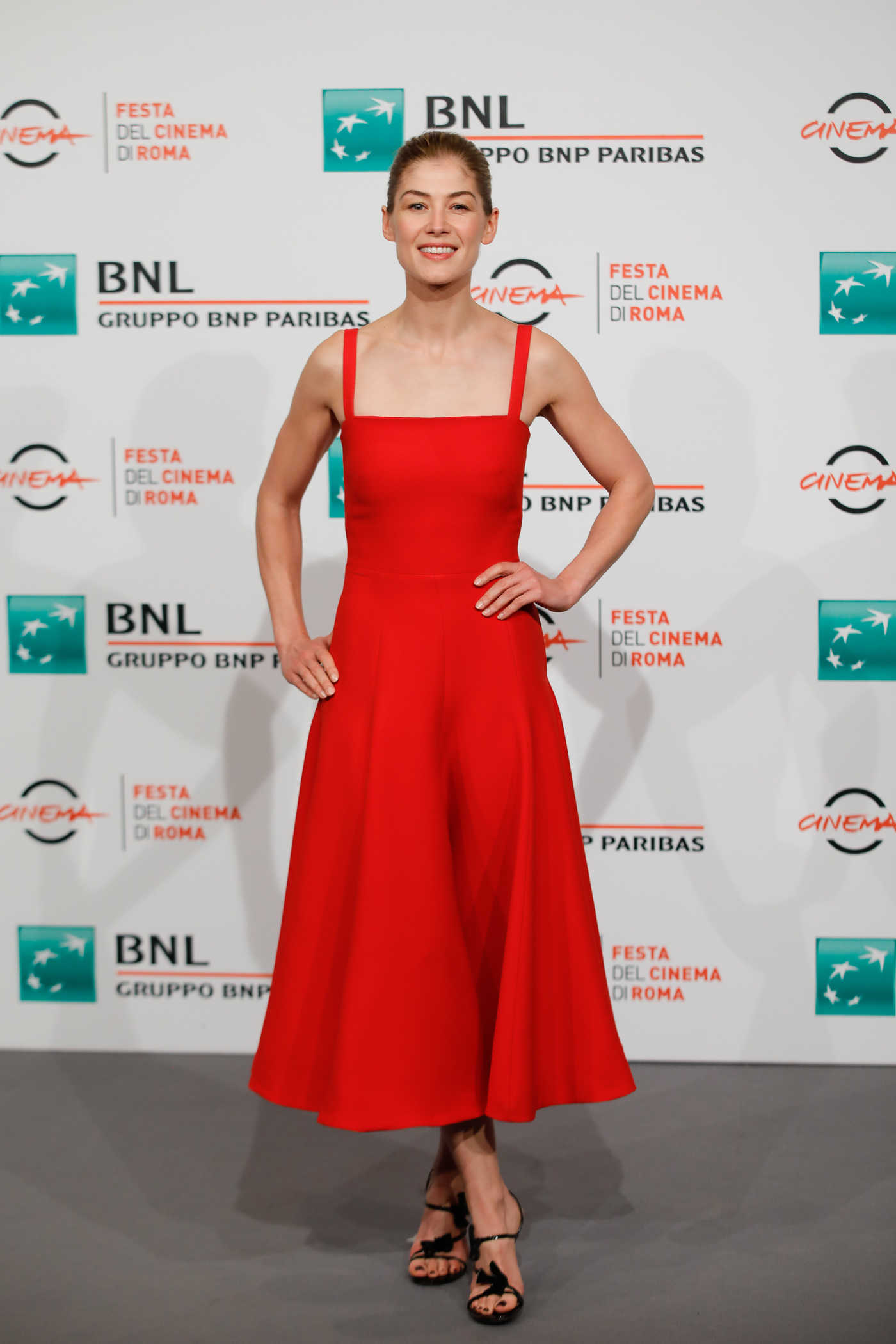Rosamund Pike at the Hostiles Photocall During 12th Annual Rome Film Festival in Rome 10/26/2017